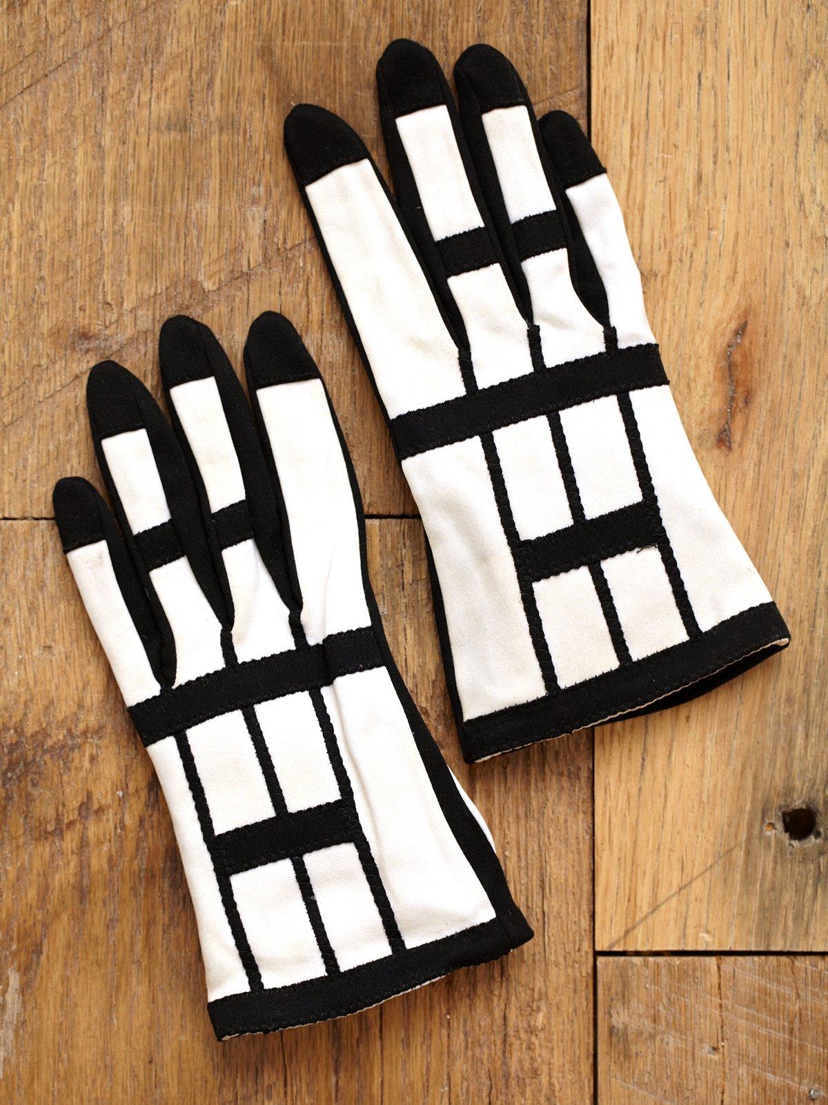 Vintage 1960s Mod Black and White Gloves