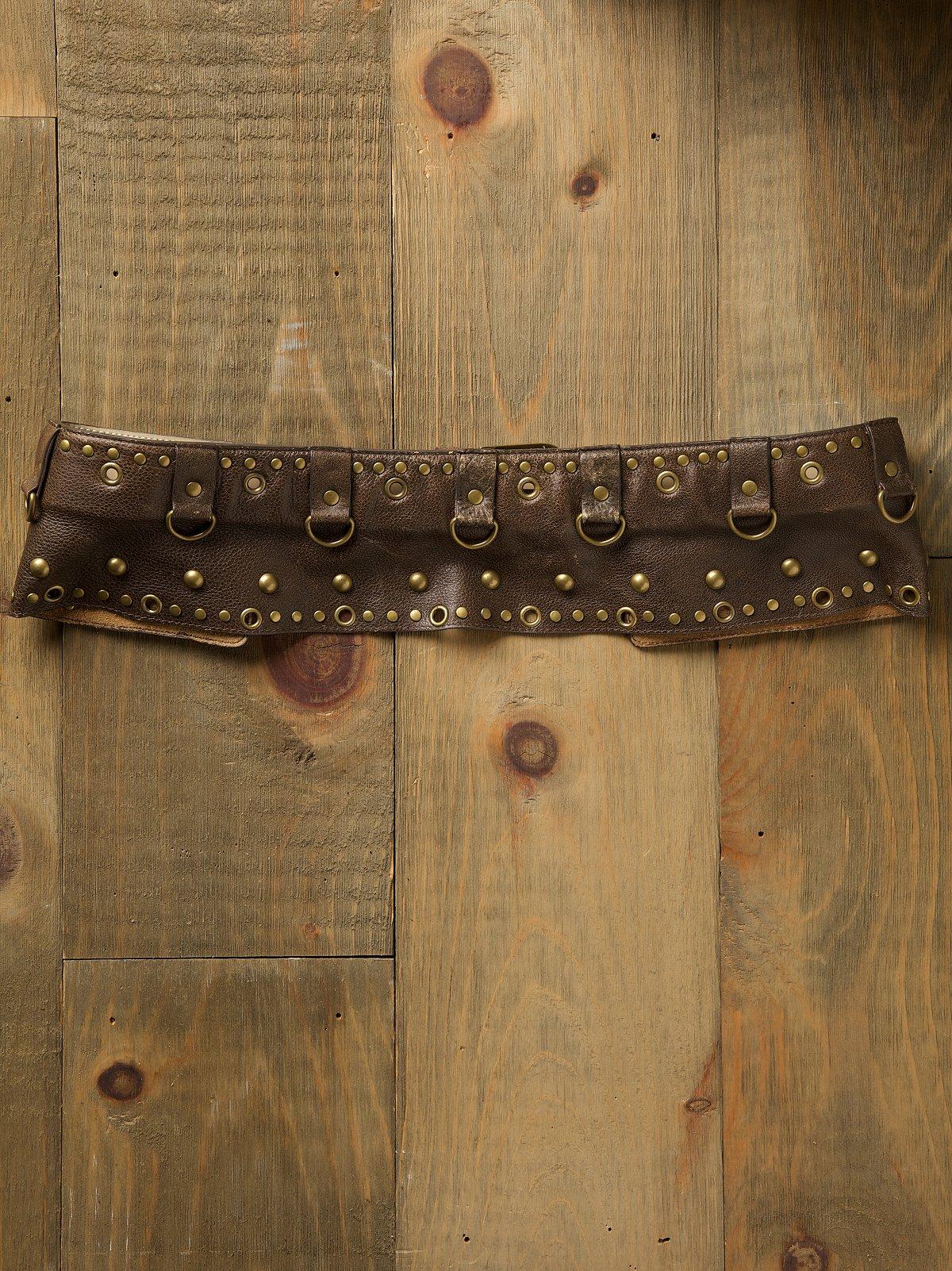 Nailhead Pocket Hip Belt