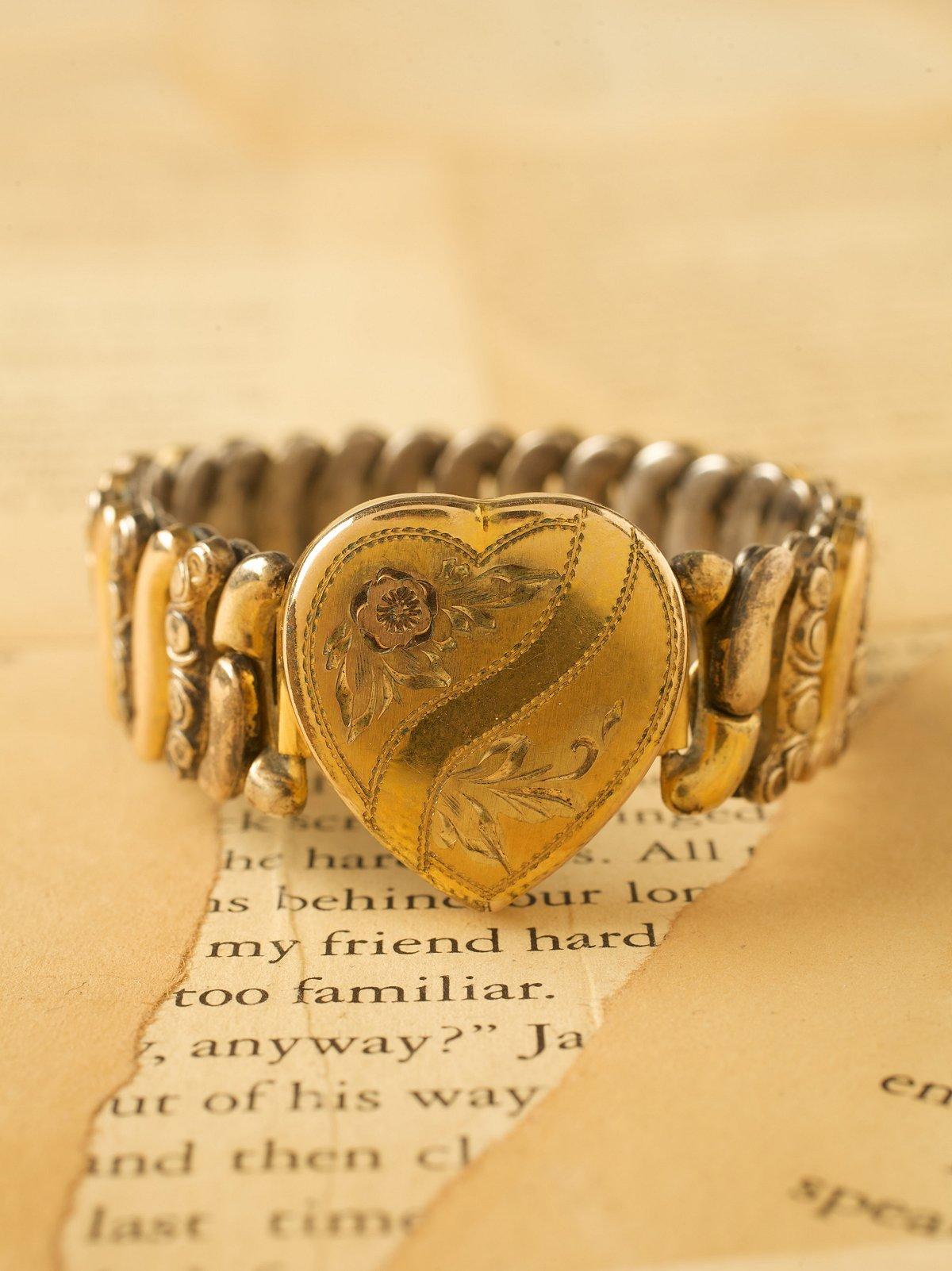 Vintage Stretch Bracelet