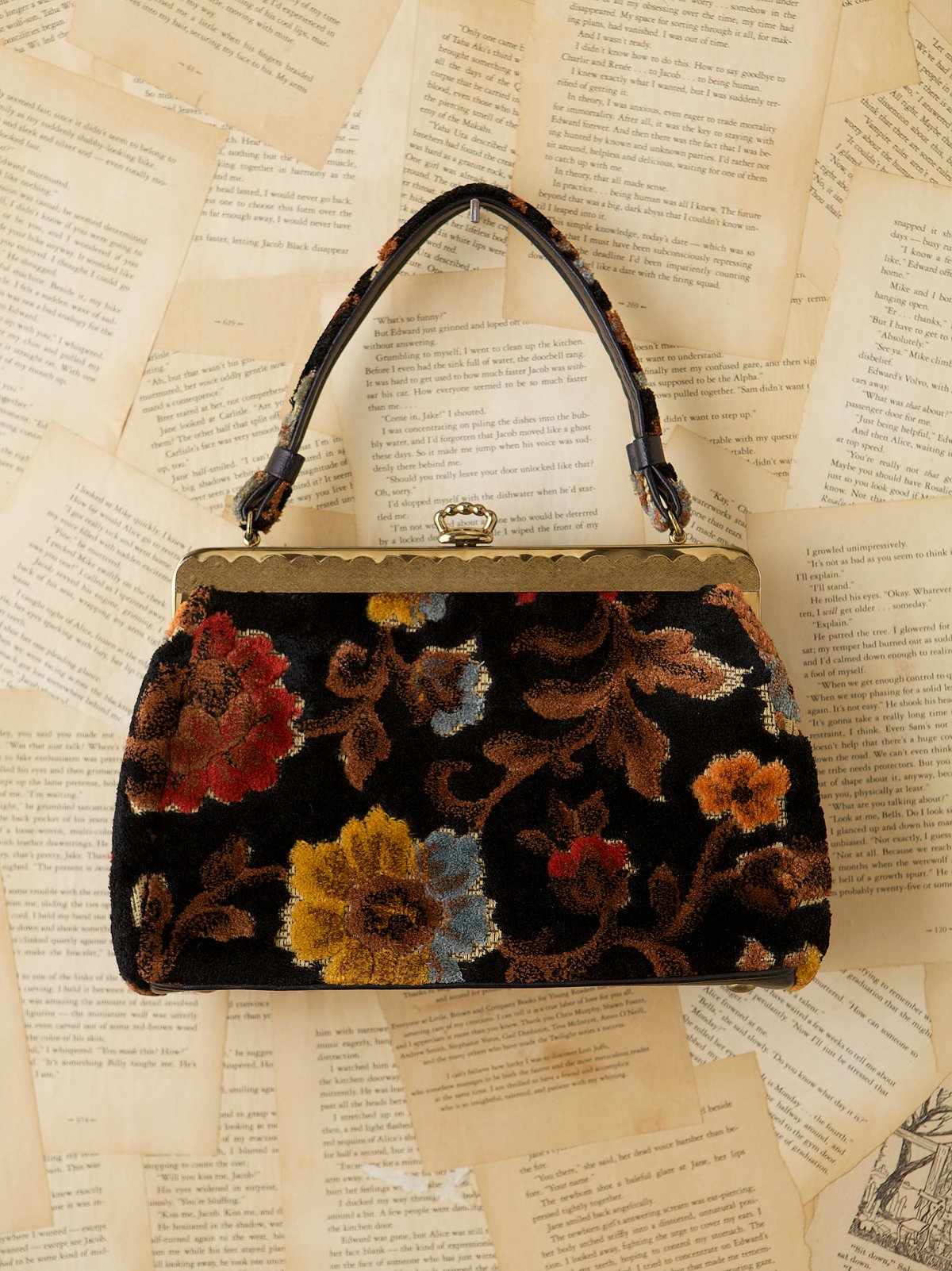 Vintage Floral Carpet Bag
