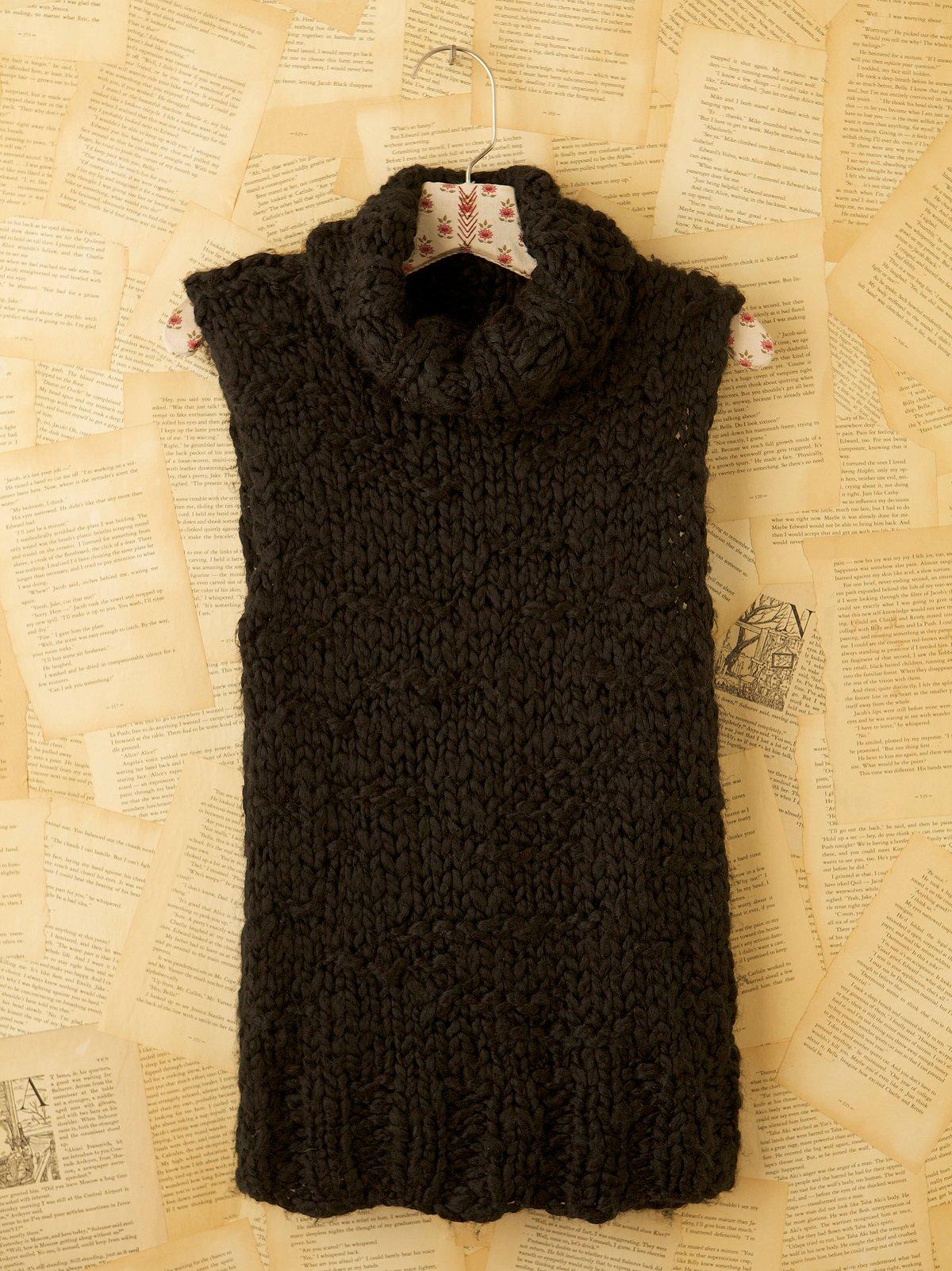 Vintage Fingerknit Sweater Vest