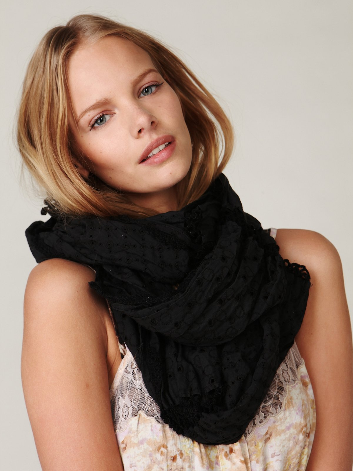 Persia Crochet Scarf