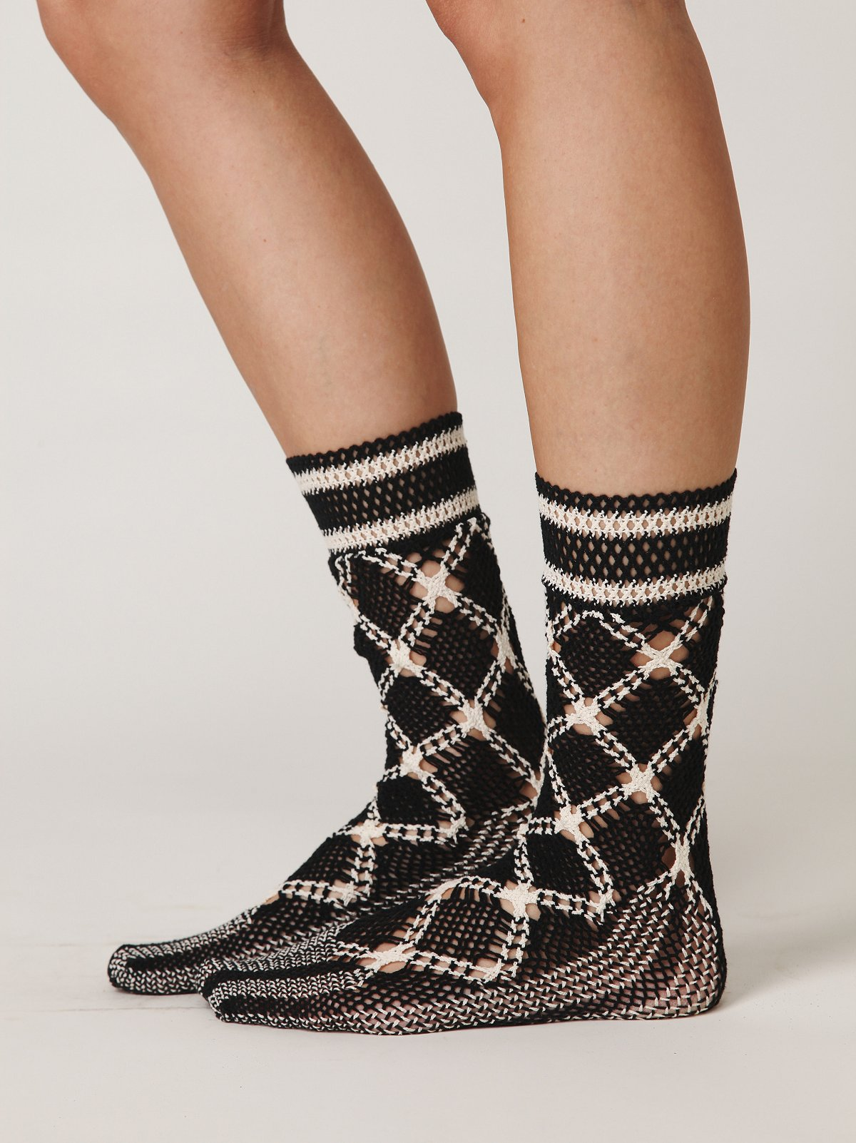 Bold Lattice Crochet Sock