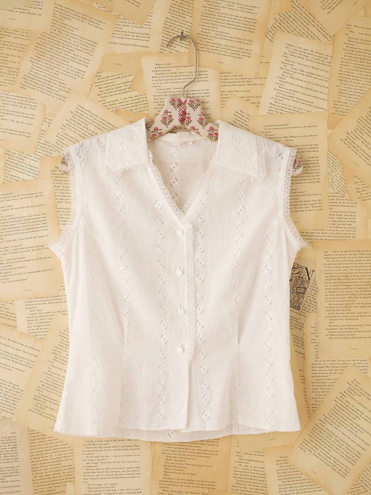 Vintage Sleeveless Lace Shirt