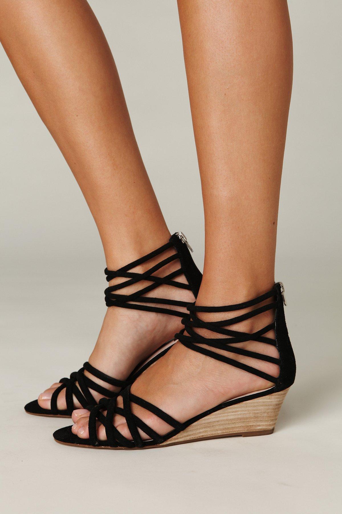 Queen Wedge Sandal