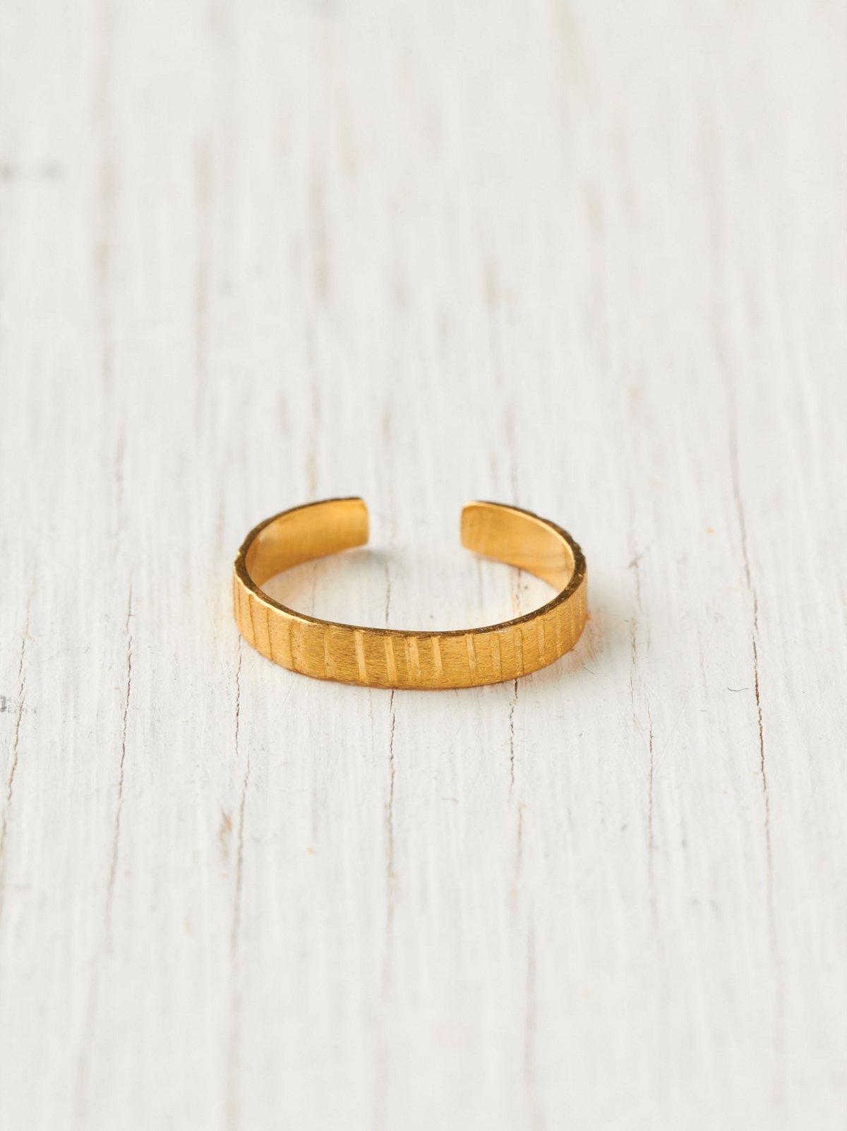 Isi Finger Ring
