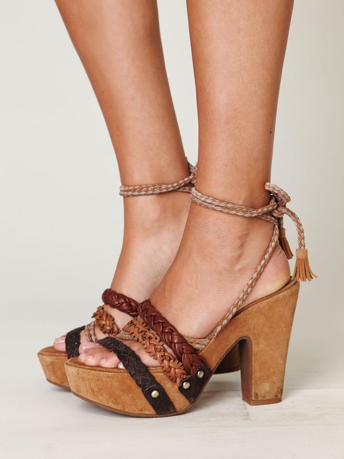 Pandino Wrap Heel