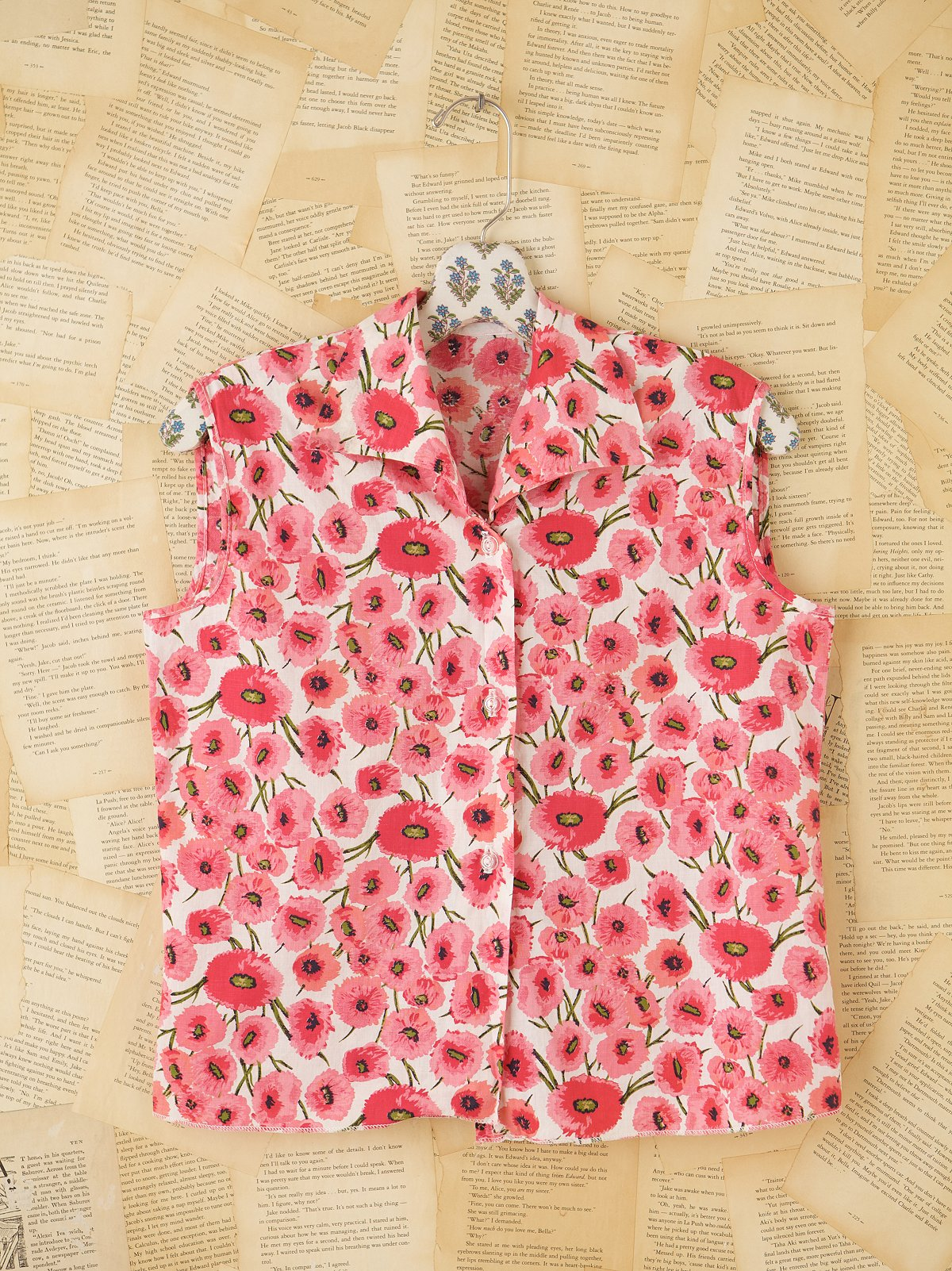 Vintage Sleeveless Floral Blouse