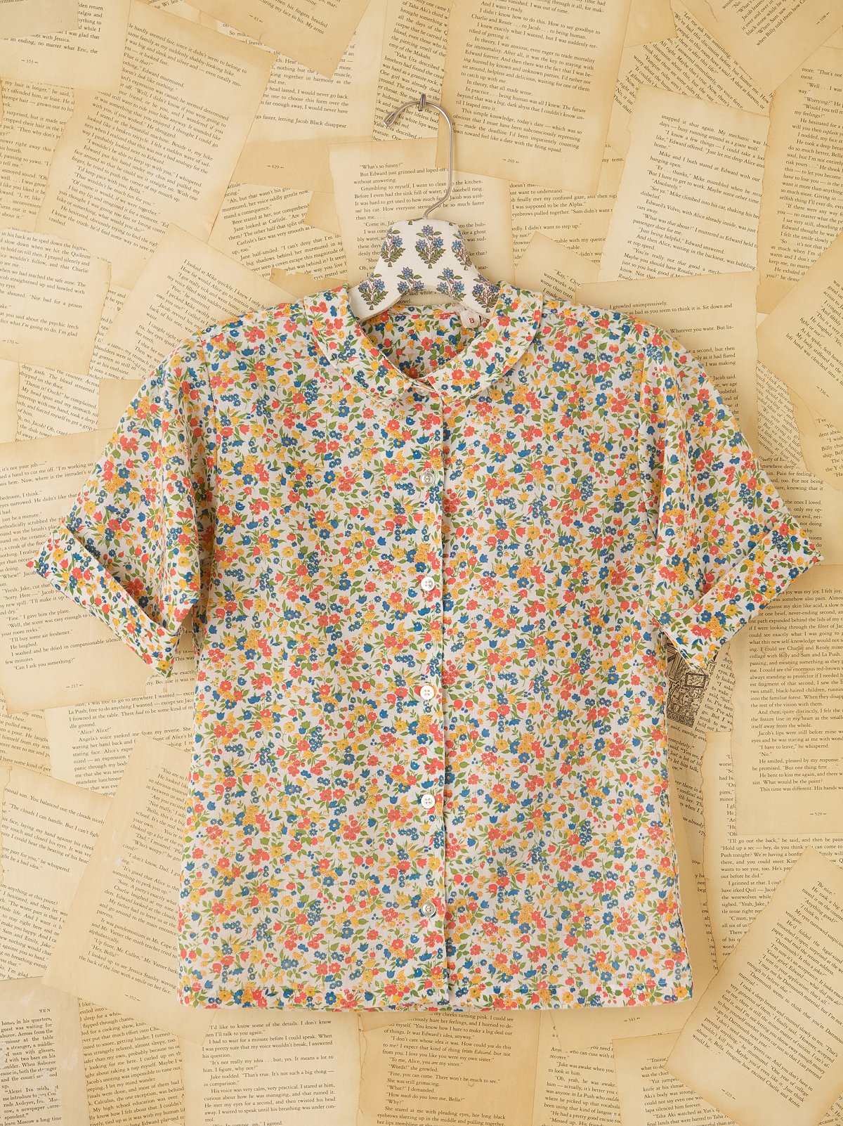 Vintage Short Sleeve Floral Blouse