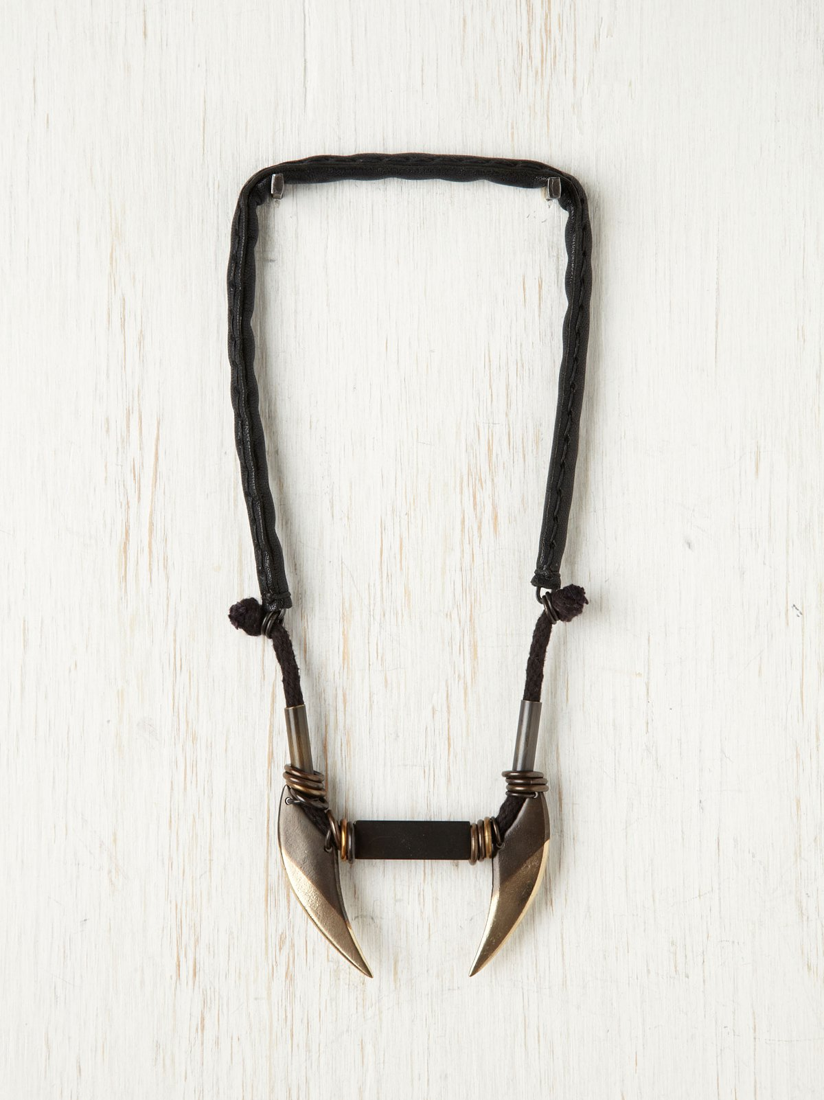 Linea Blades Necklace