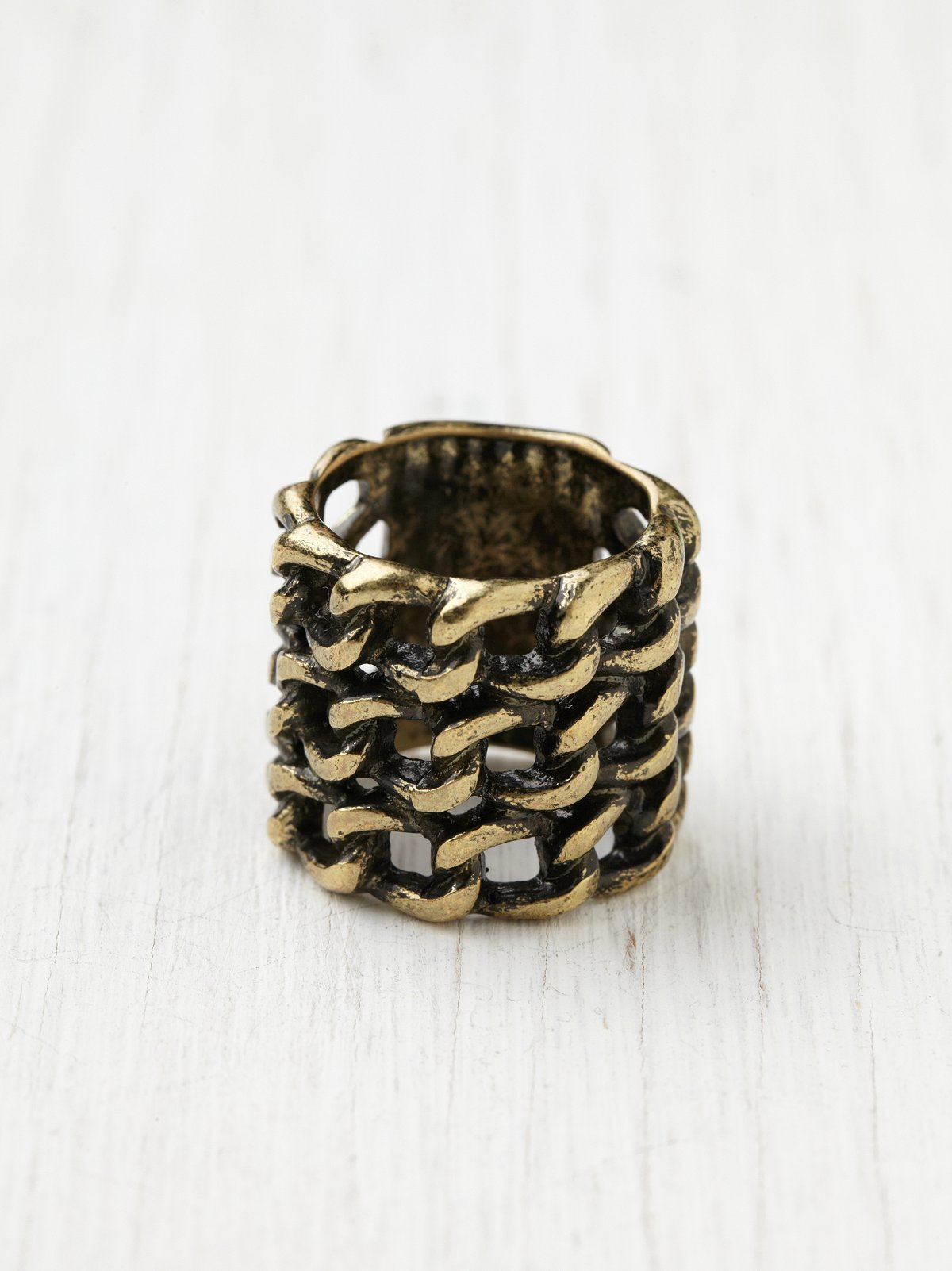Chain Links Ring