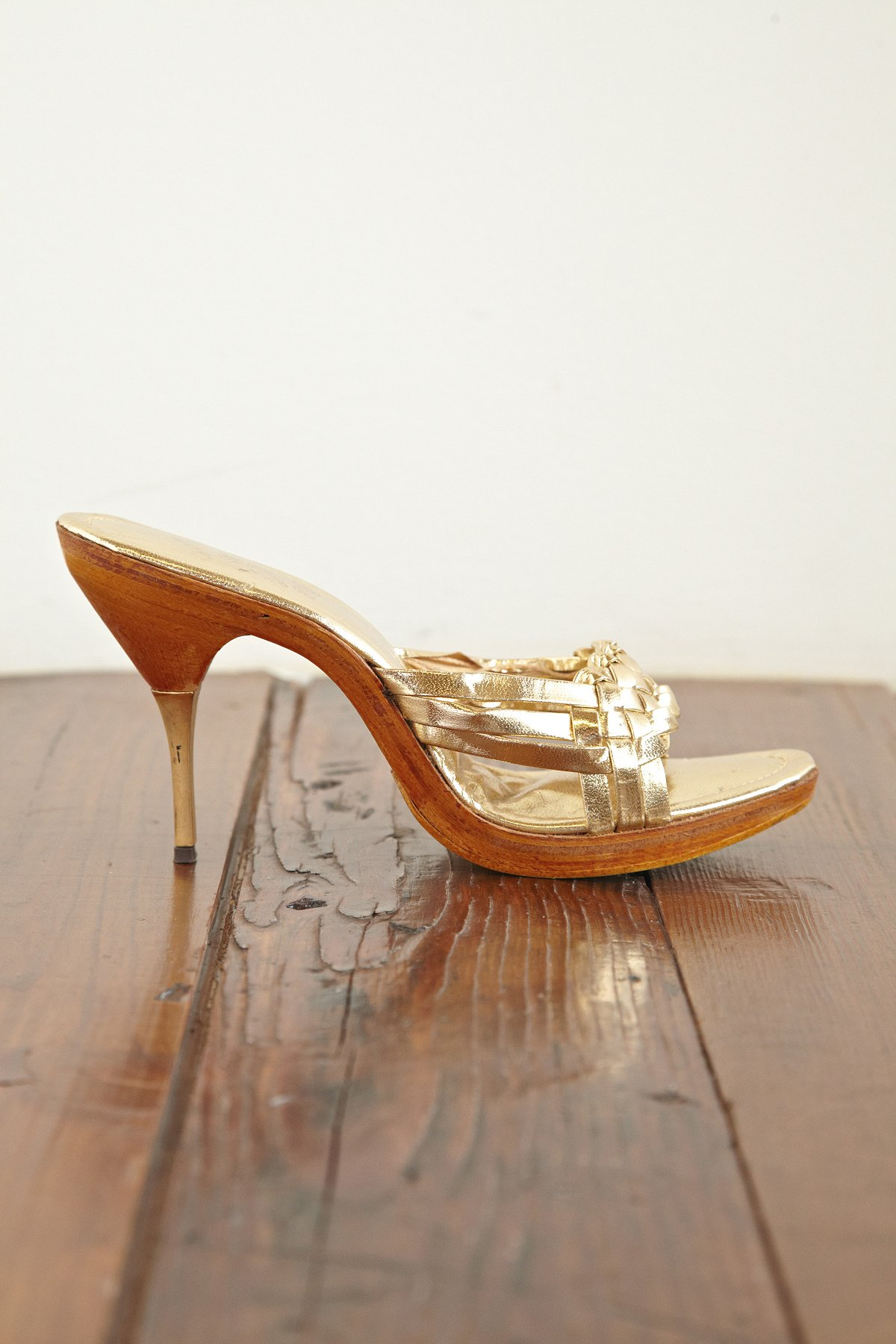 Vintage Gold Pumps