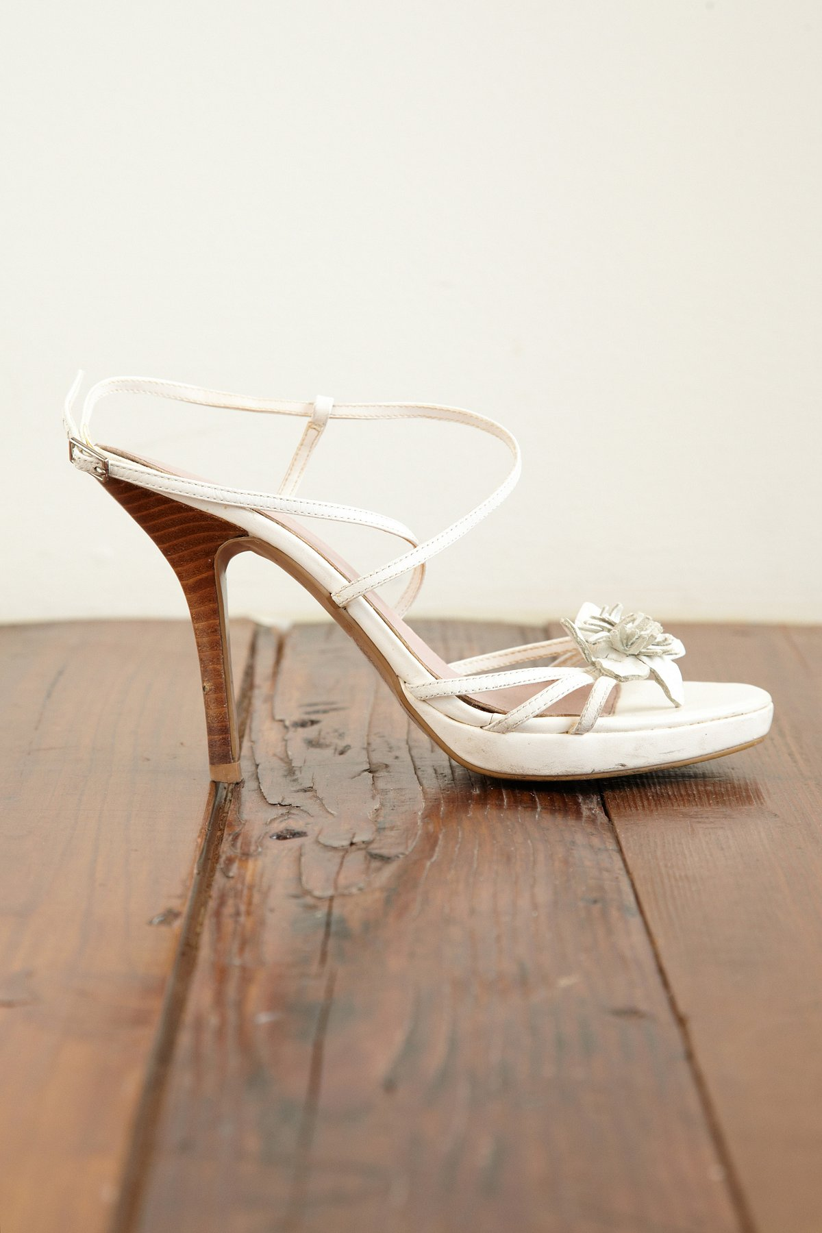 Vintage Pumps With Flower Detail