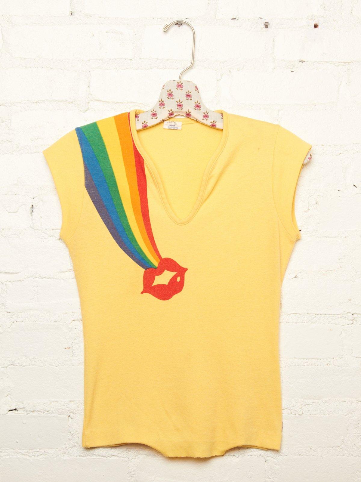 Vintage Rainbow Kiss Tee