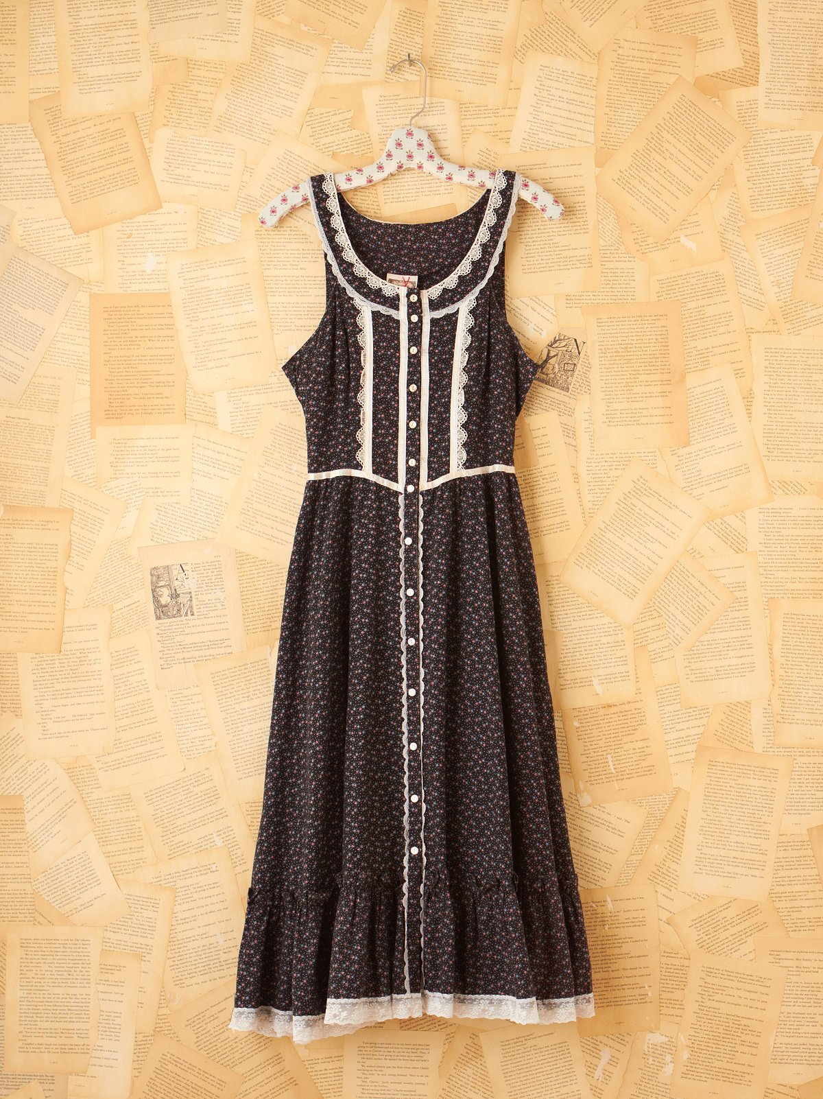 Vintage 70s Black Flowered Gunne Sax Frock