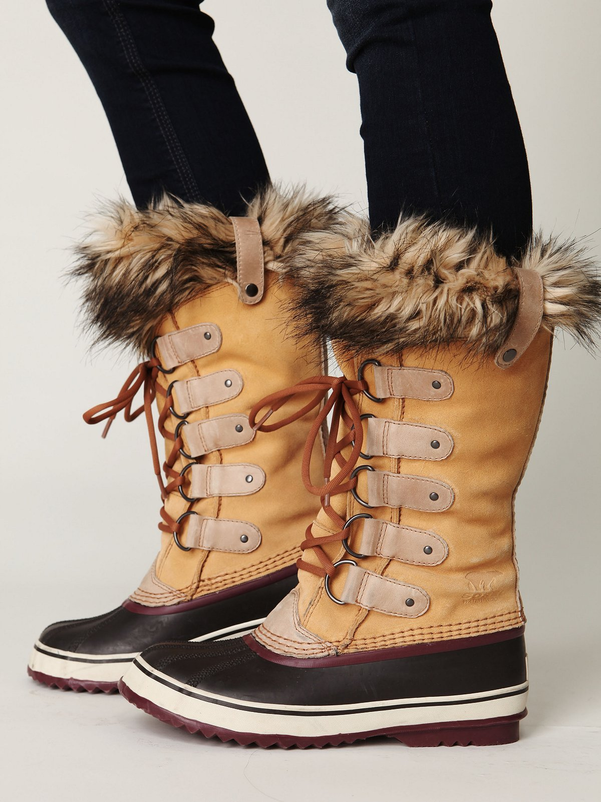 Joan of Arctic Boot