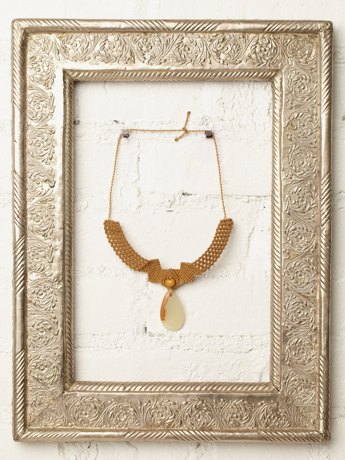 Vintage Macrame and Agate Necklace