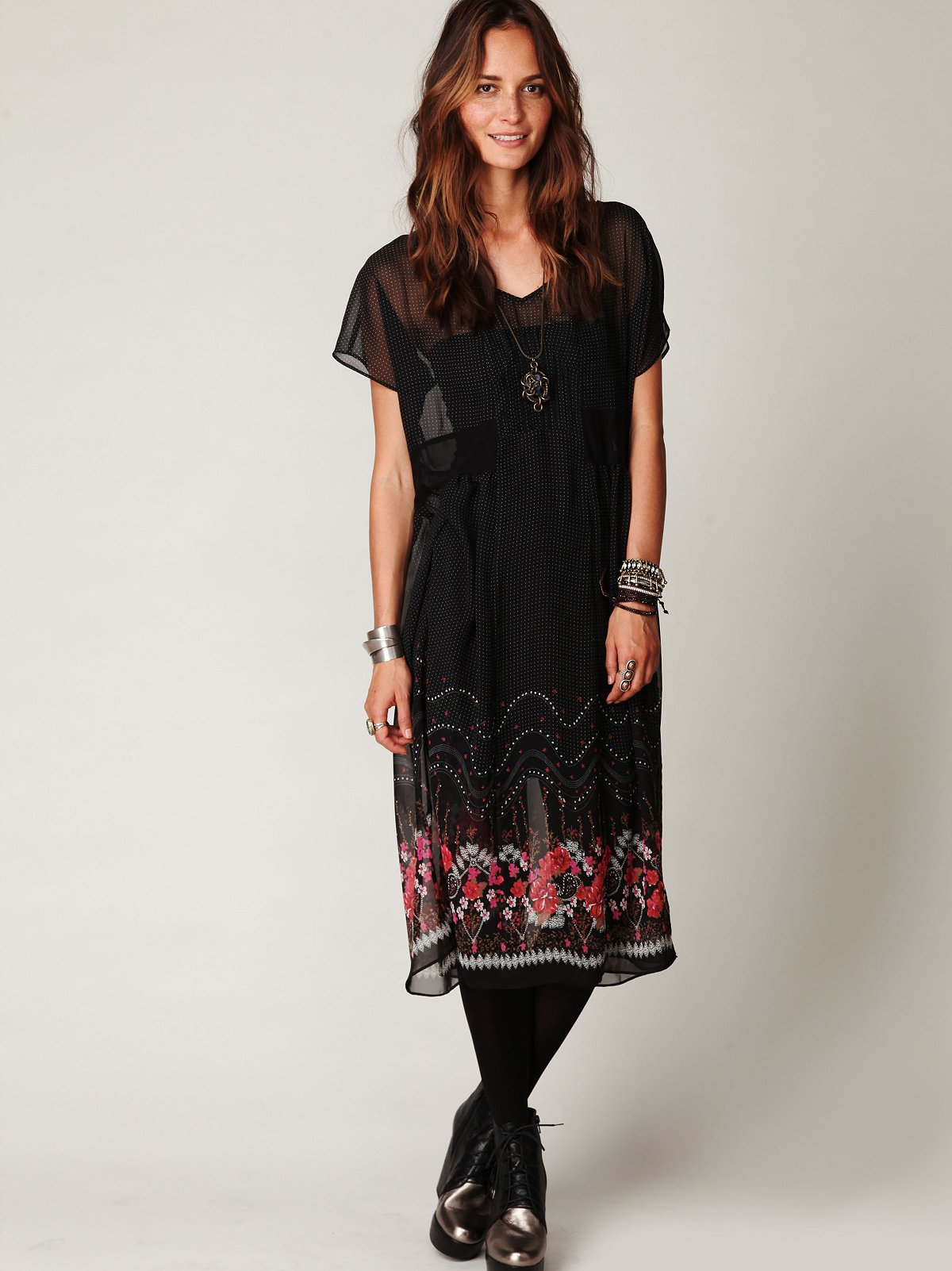 Native Rose Shapeless Short Sleeve Dress