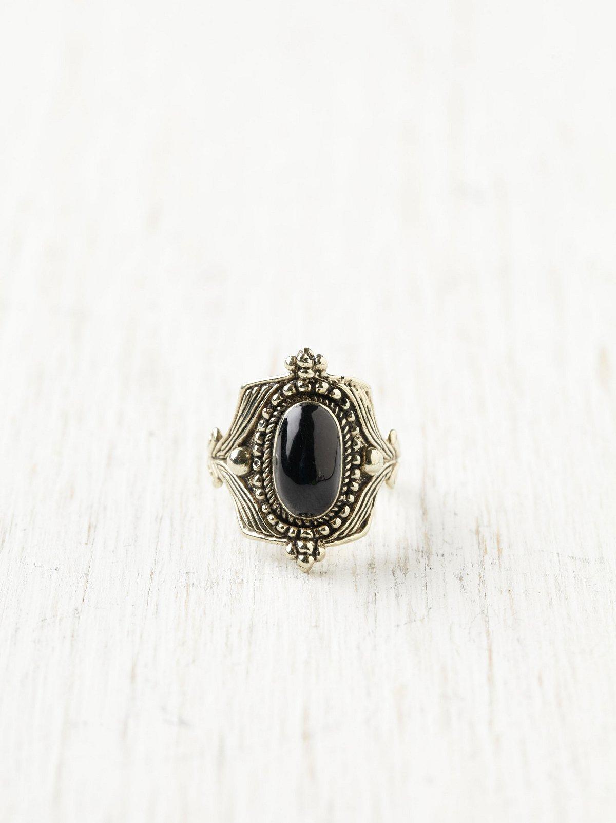 Charmant Stone Ring
