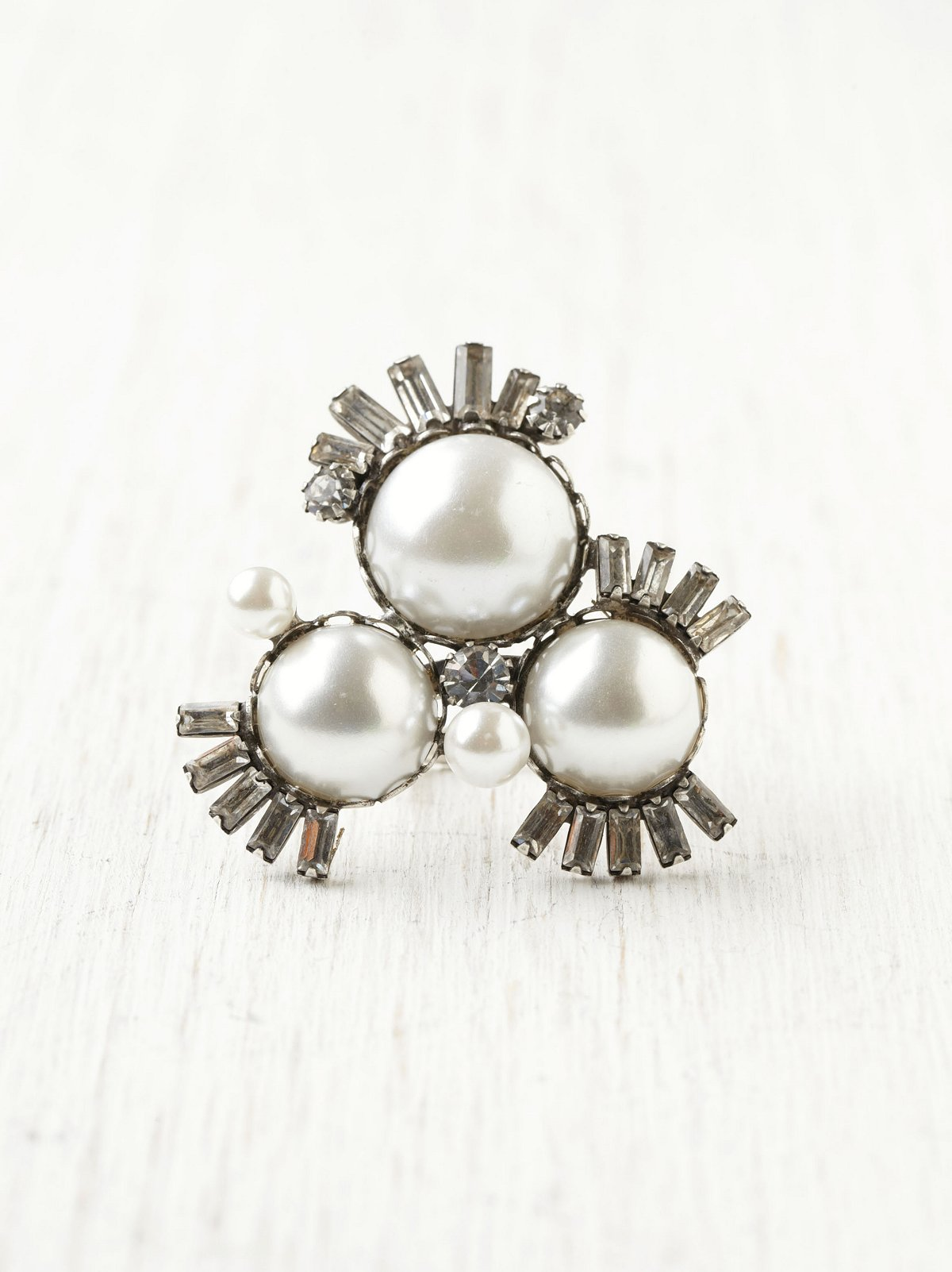 Pearl Burst Deco Ring