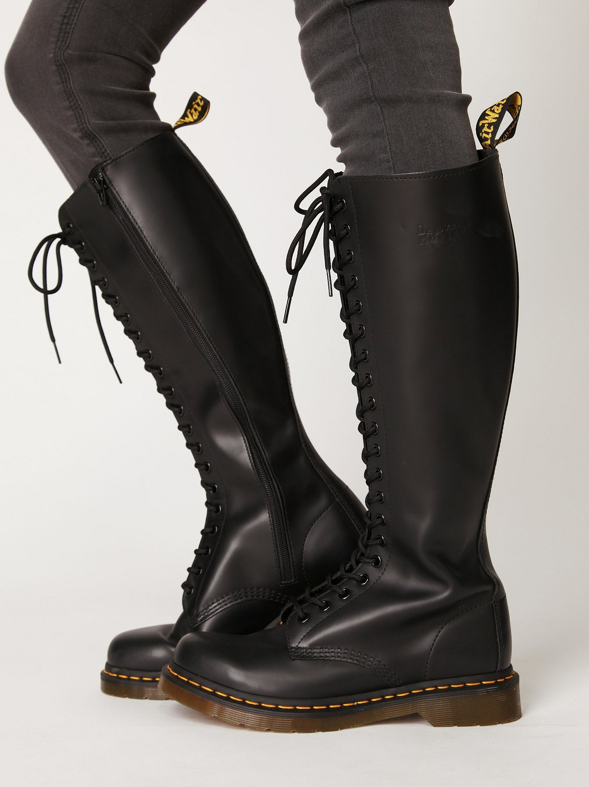 20 Eye Zip Boot
