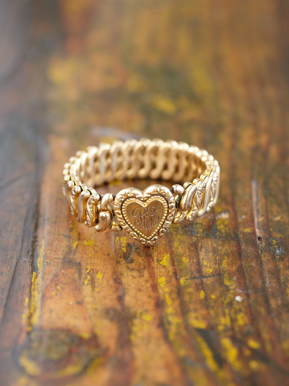 Vintage Stretch Heart Bracelet