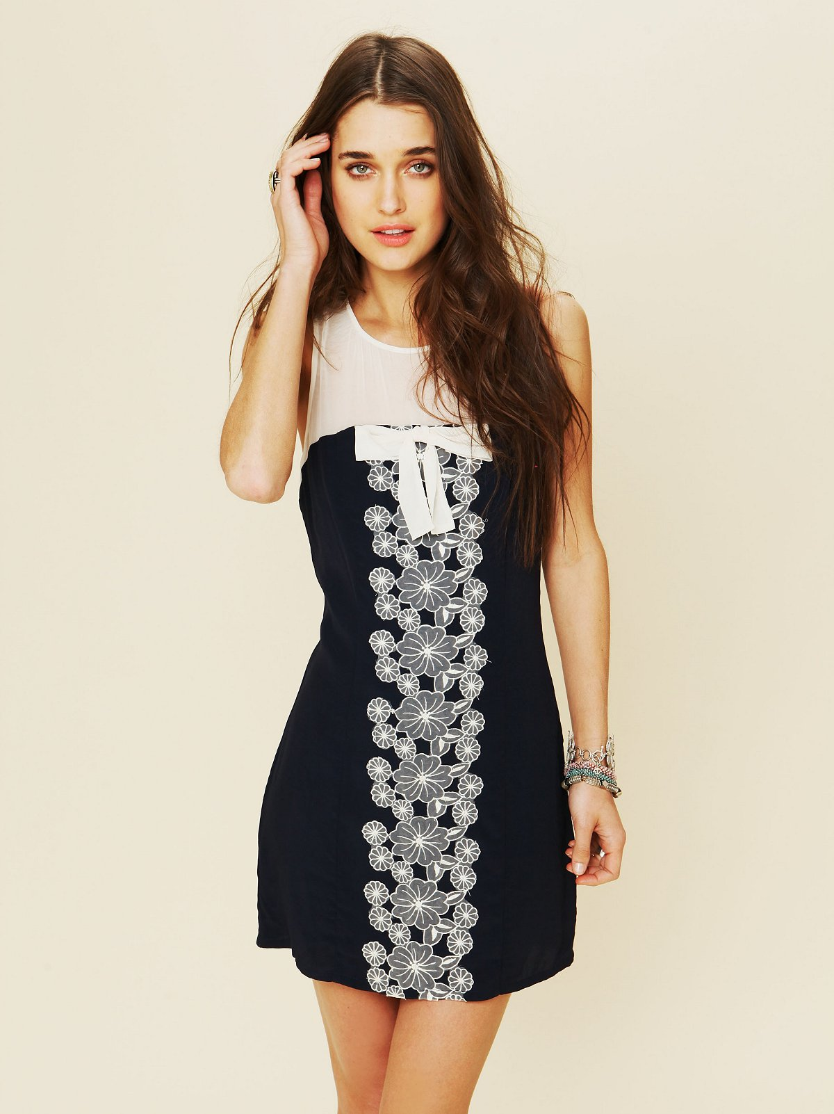 Daisy Garden Shift Dress
