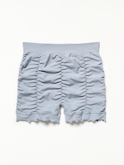 Product Image: 褶边无缝短裤