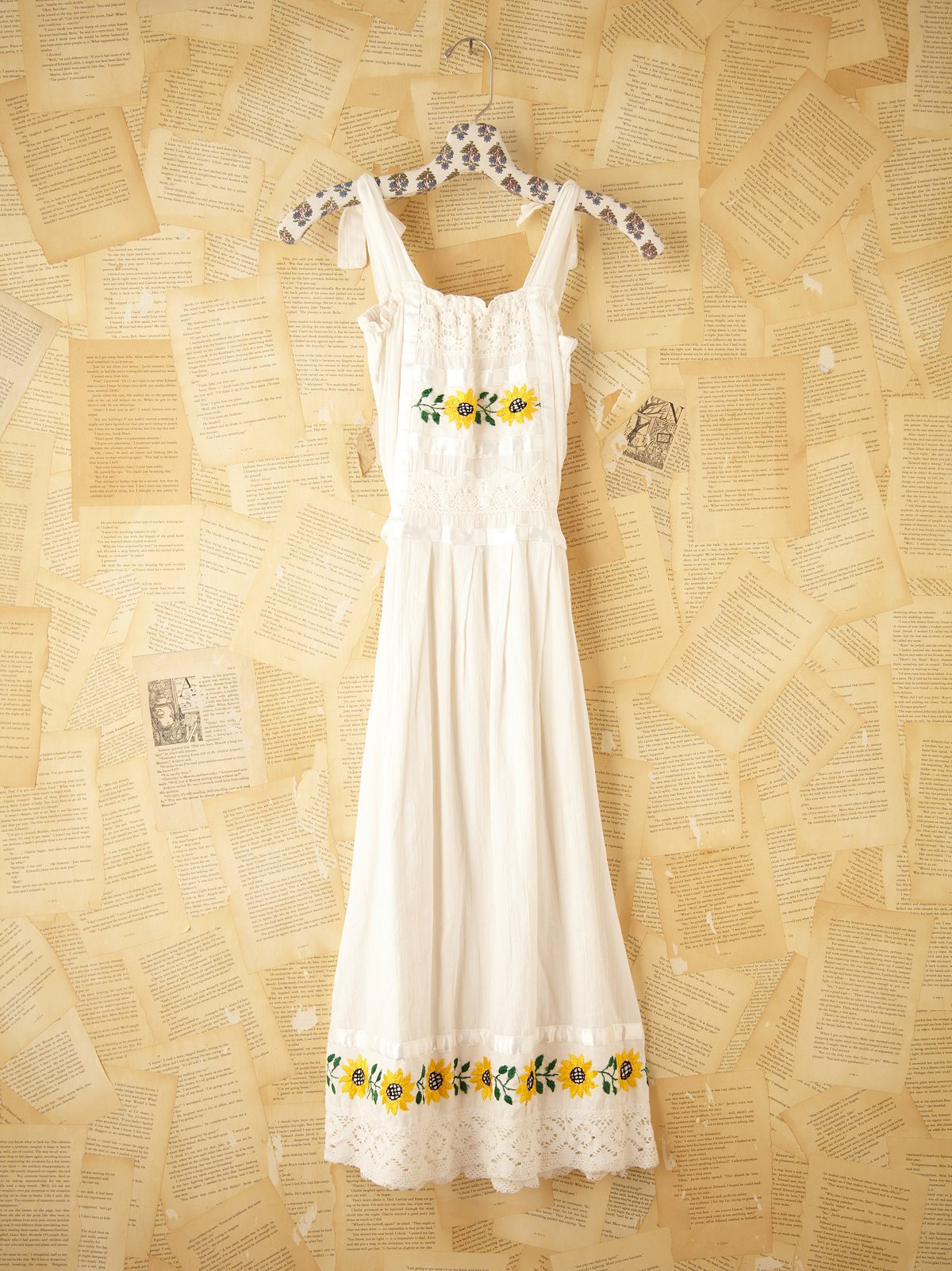 Vintage Daisy Linen Dress