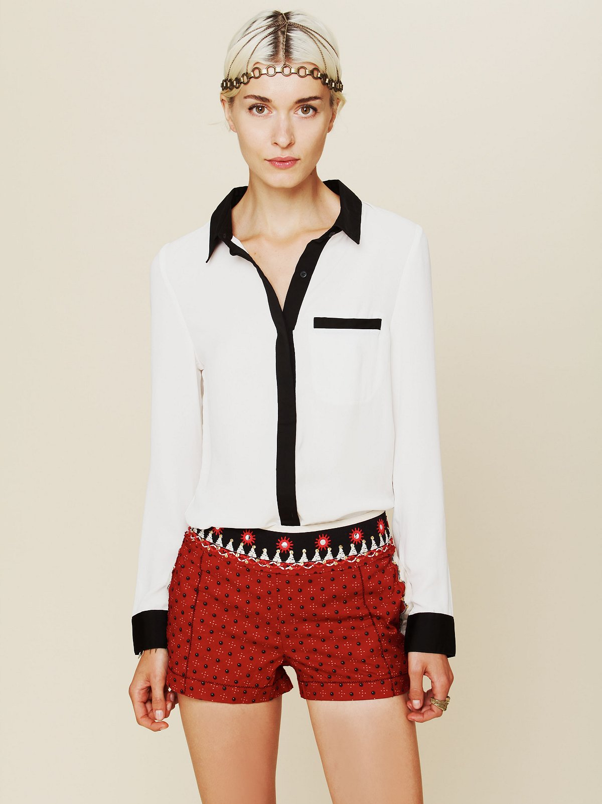 Meadow Embroidered Short