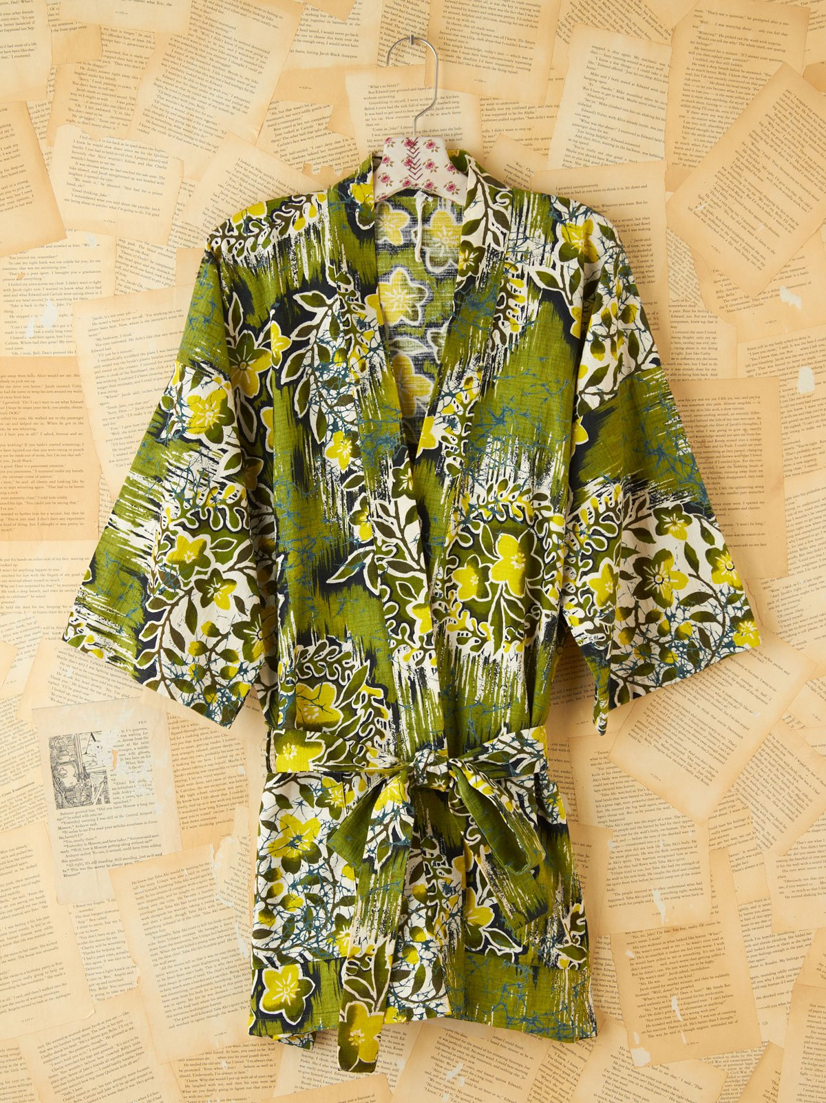 Vintage 1960s Green Hawaiian Printed Robe