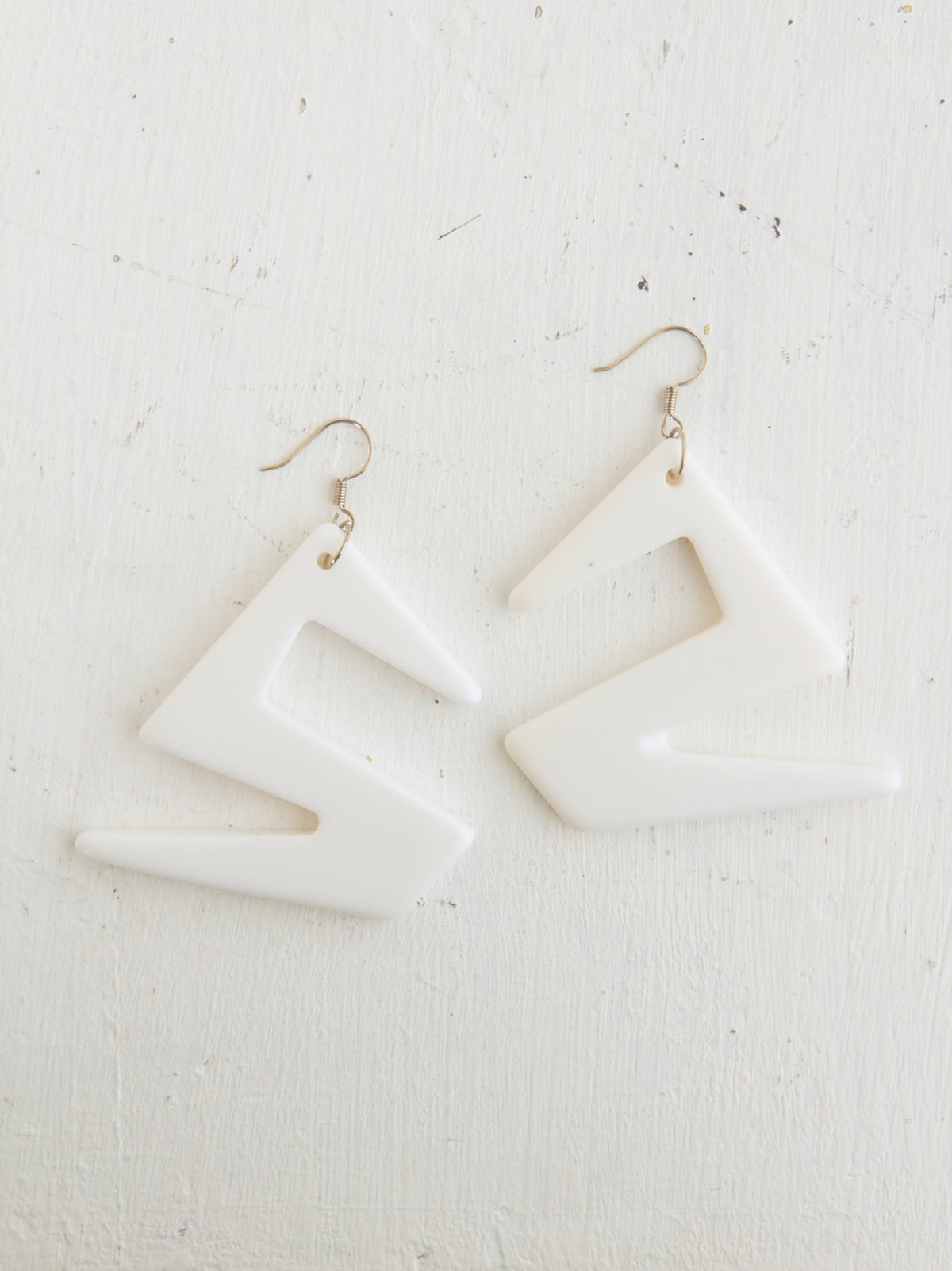 Vintage White Geomtric Dangle Earrings