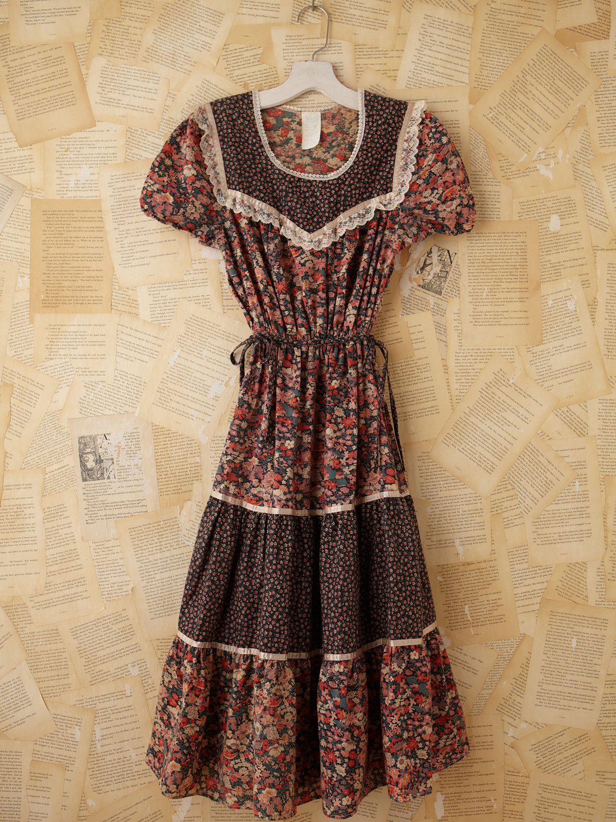 Vintage Floral Printed Prairie Dress
