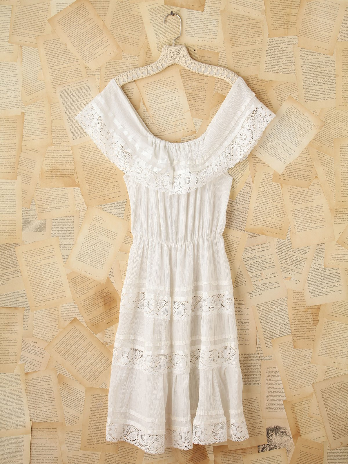 Vintage Short Sleeve Lace Dress