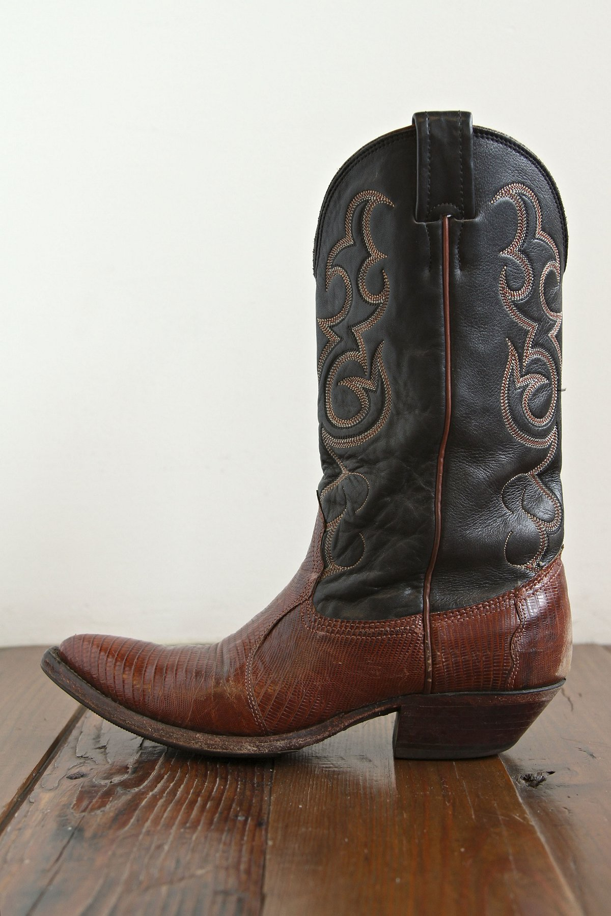 Vintage Black and Brown Boot