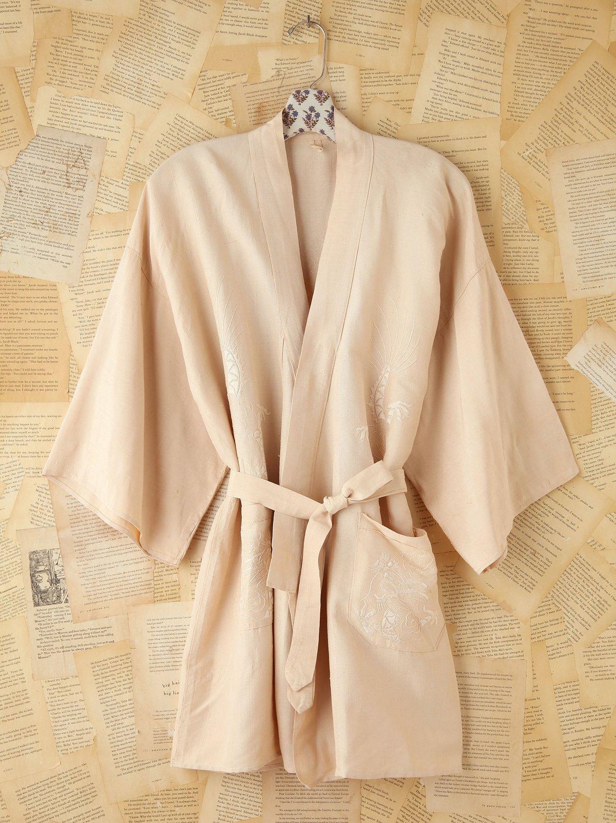 Vintage Cream Embroidered Kimono