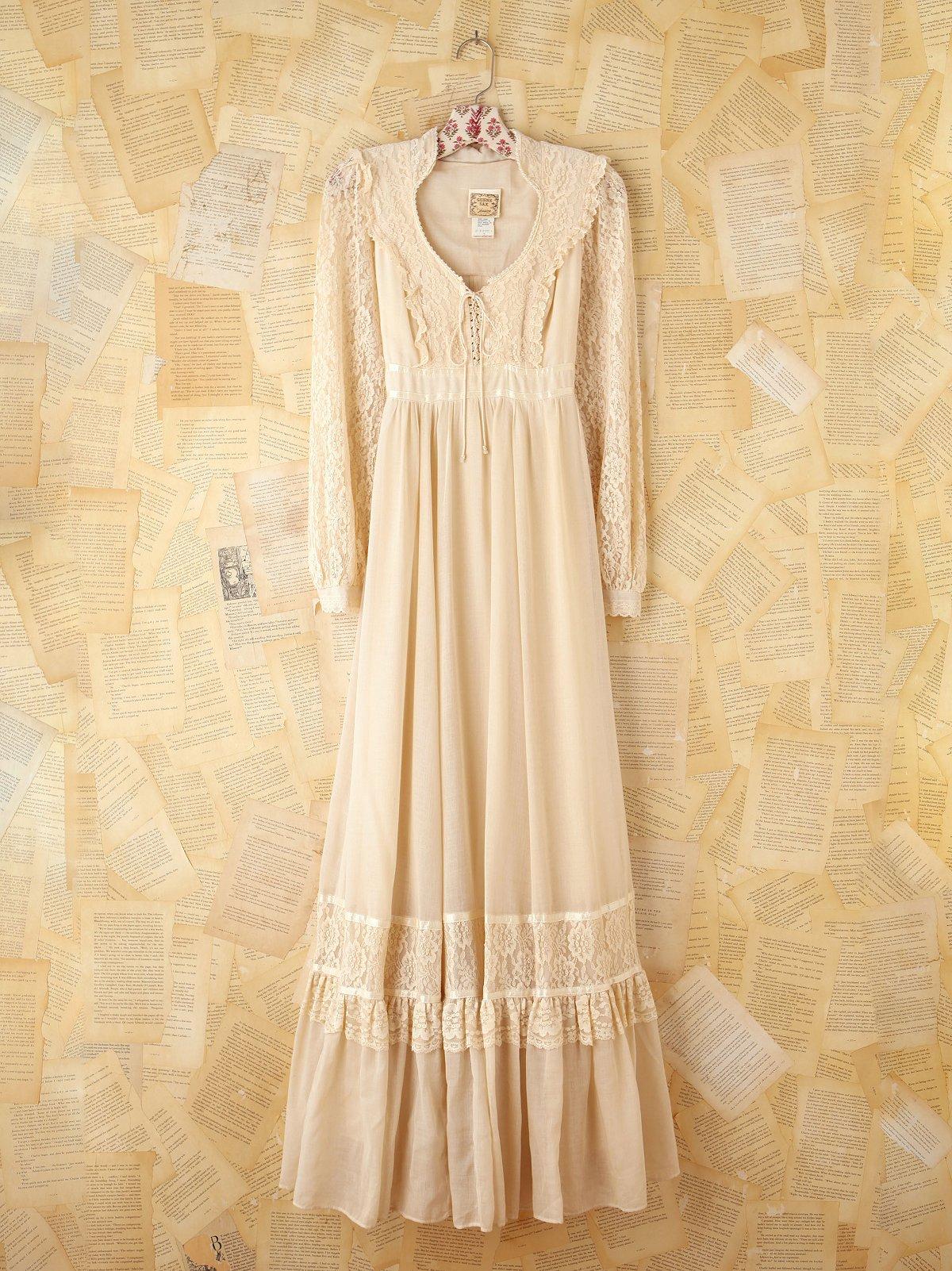 Vintage 1970s Gunne Sax Creme Dress