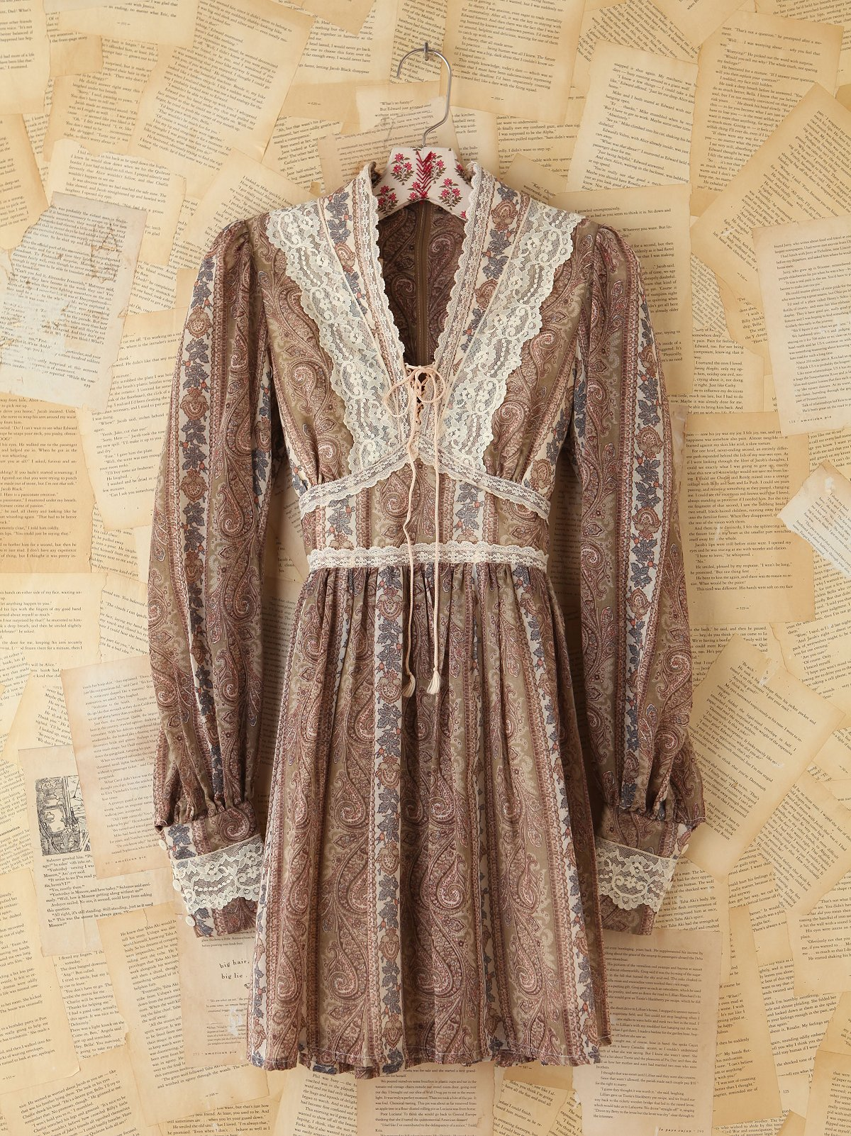 Vintage Floral and Lace Dress