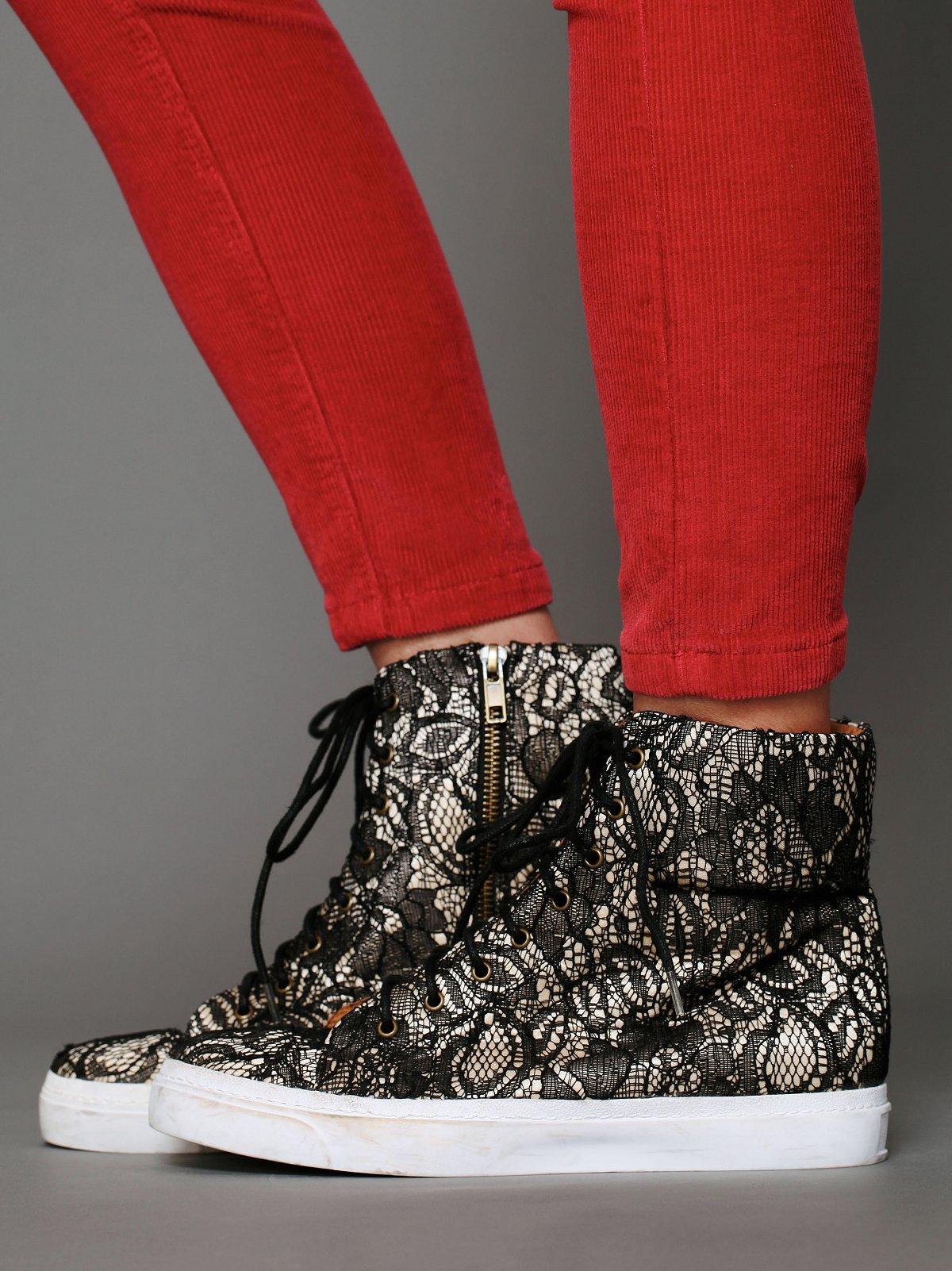 Brea Lace Sneaker