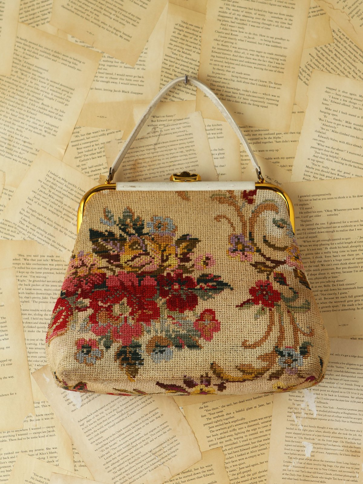 Vintage 1950s Floral Needlepoint Purse