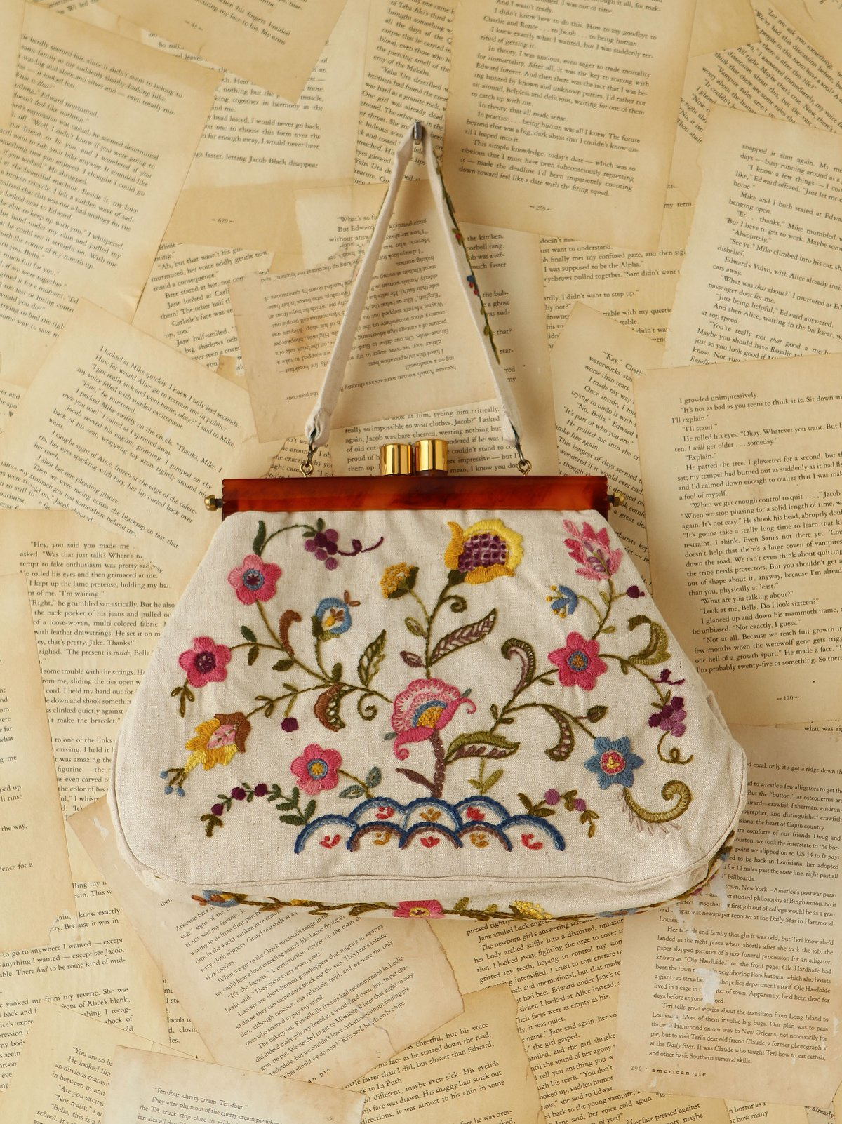 Vintage Floral Embroidered Purse