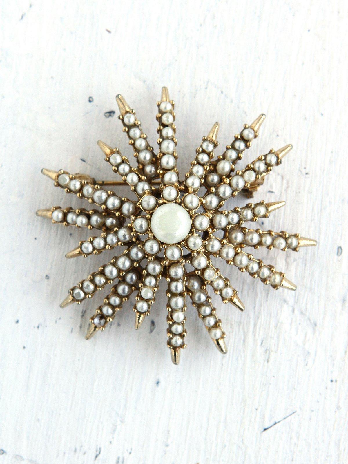 Vintage Costume Pearl Snowflake Pin