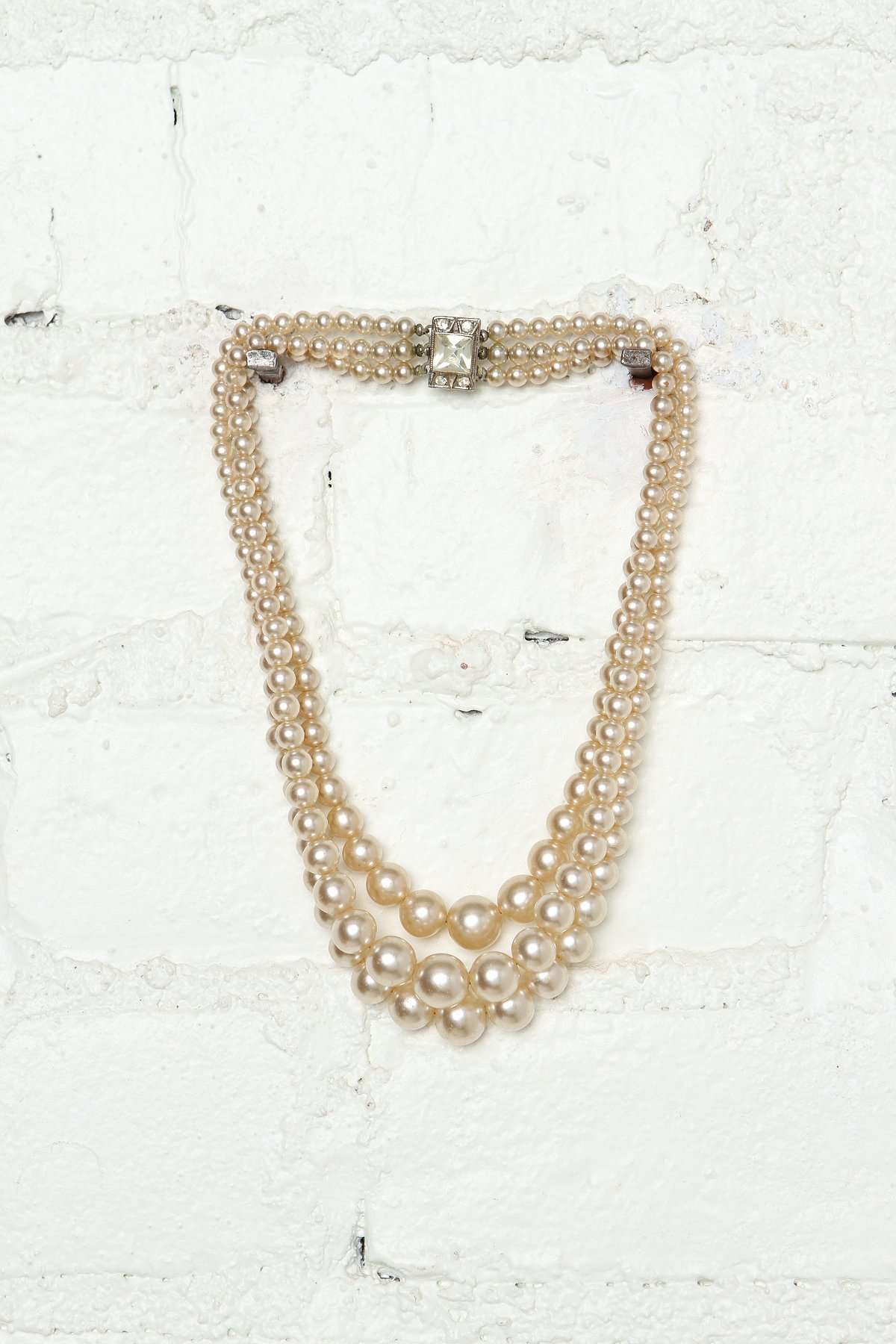 Vintage Costume Tiered Pearl Necklace