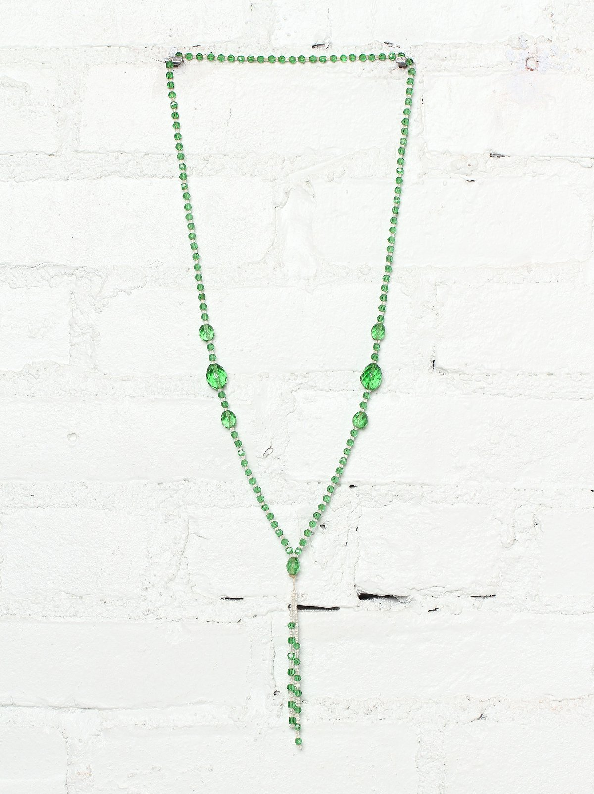 Vintage 1920s Green Bead Necklace