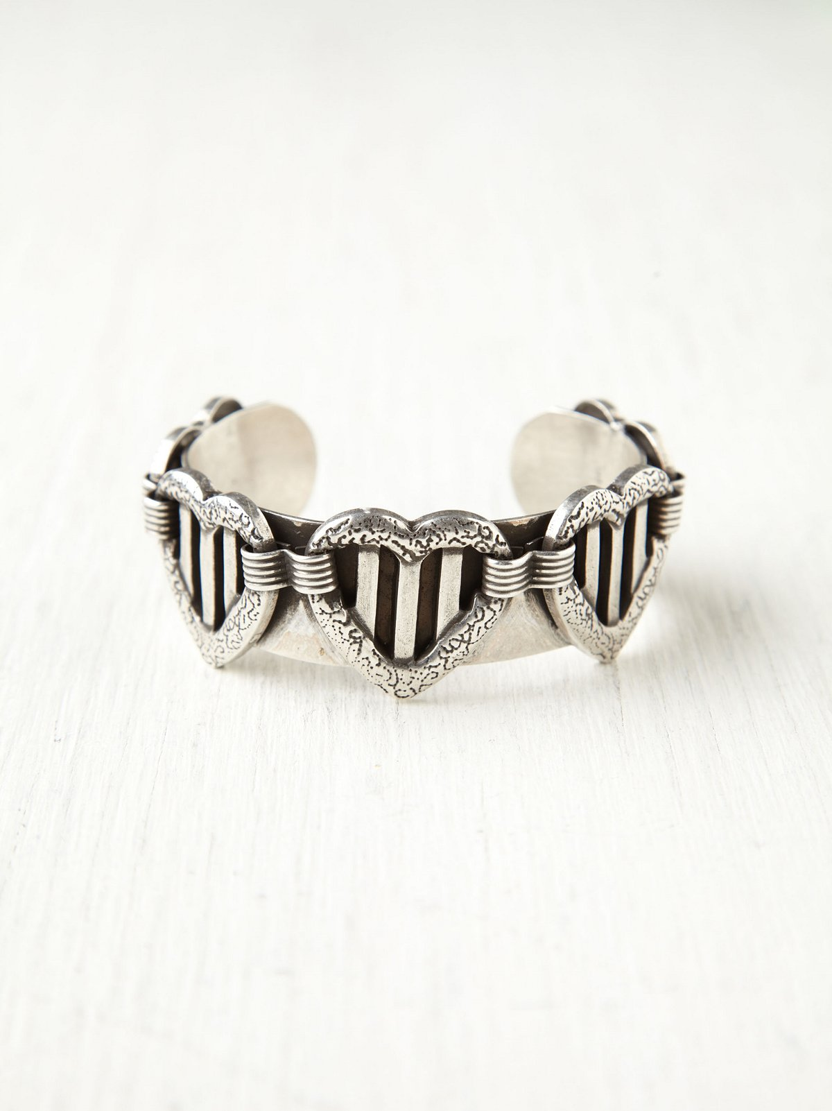 Queen Of Hearts Cuff