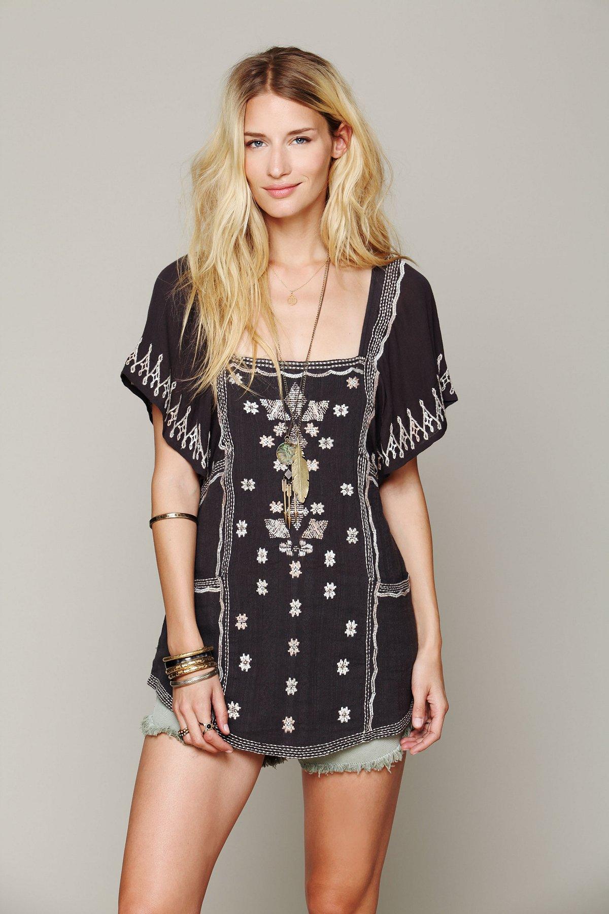 Damrak Embroidered Tunic