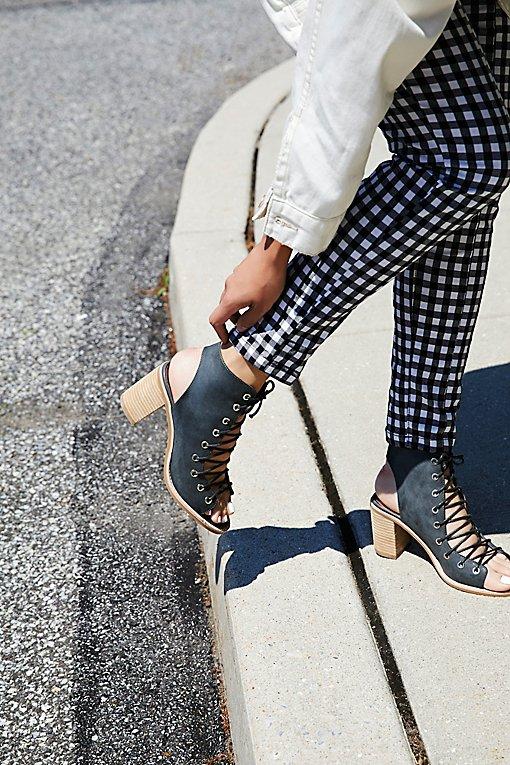 Product Image: 绑带高跟靴