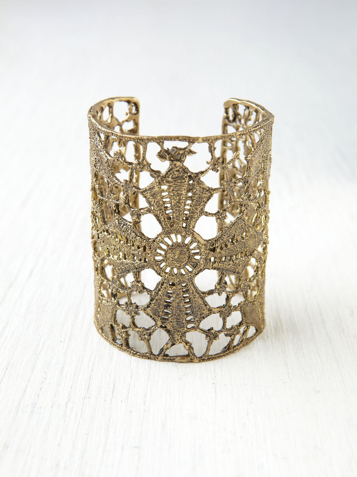 Maltese Lace Cross Cuff