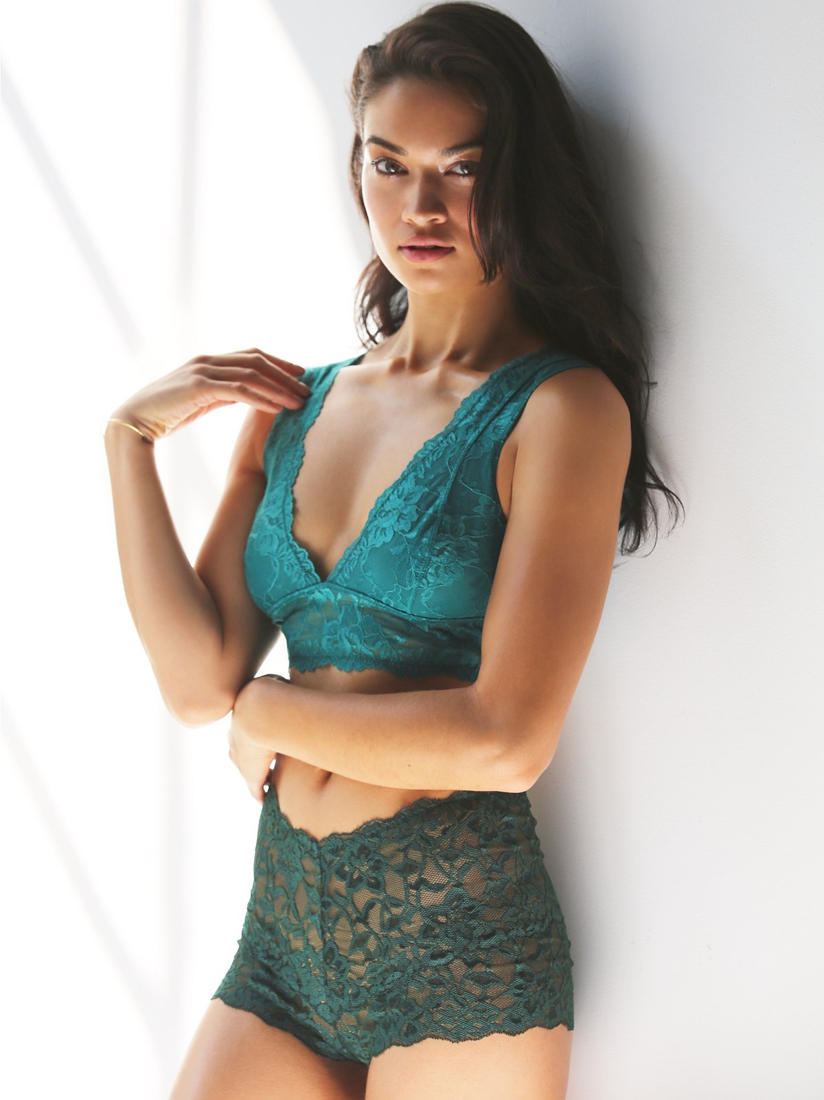 Galloon Lace Deep V Bra