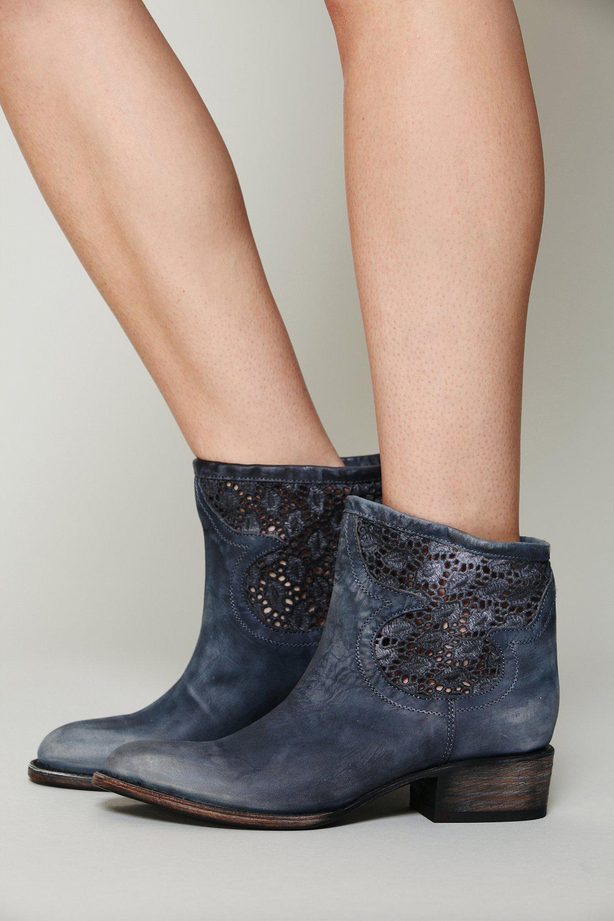 Crochet Coyote Boot